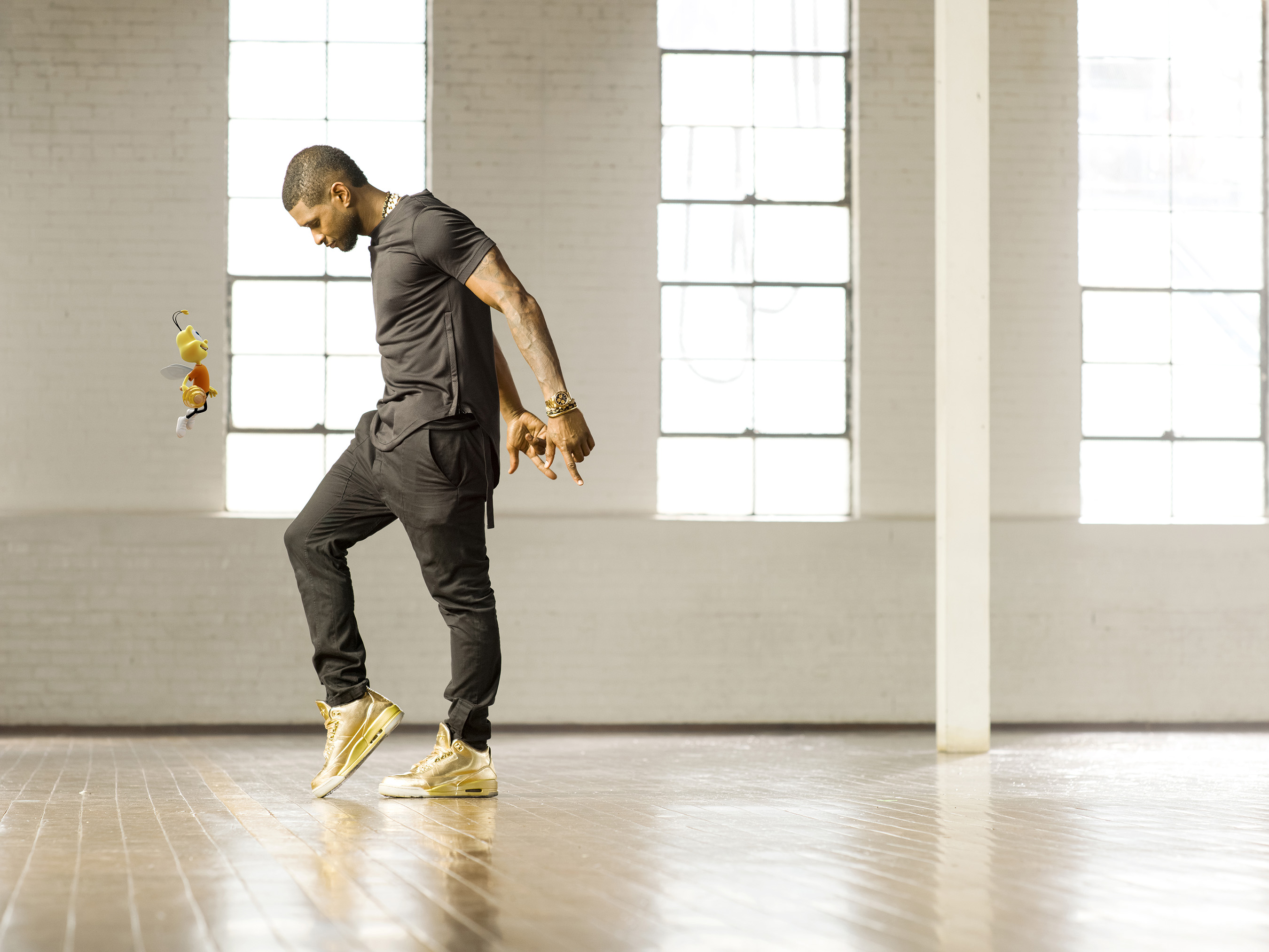 Usher and the Honey Nut Cheerios™ character, Buzz, team up in new ad, using dance to spread the word that being healthy can be fun and delicious