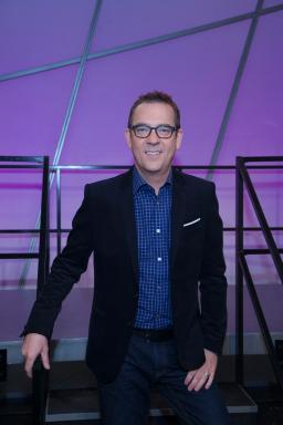 Host Ted Allen on Food Network's All-Star Academy