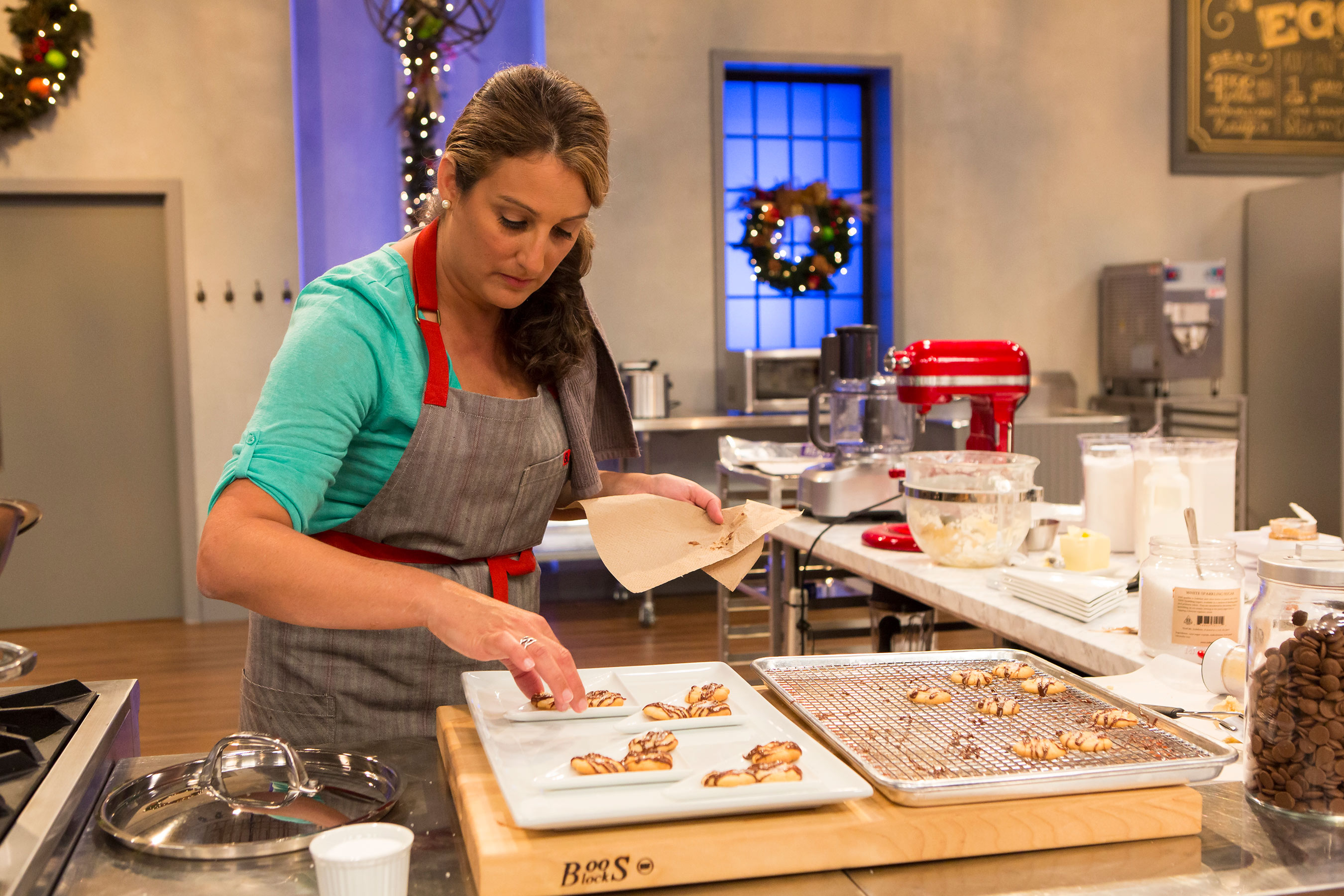 Holidays at food network get even sweeter with new series holiday a contestant competes on food networks holiday baking championship forumfinder Gallery
