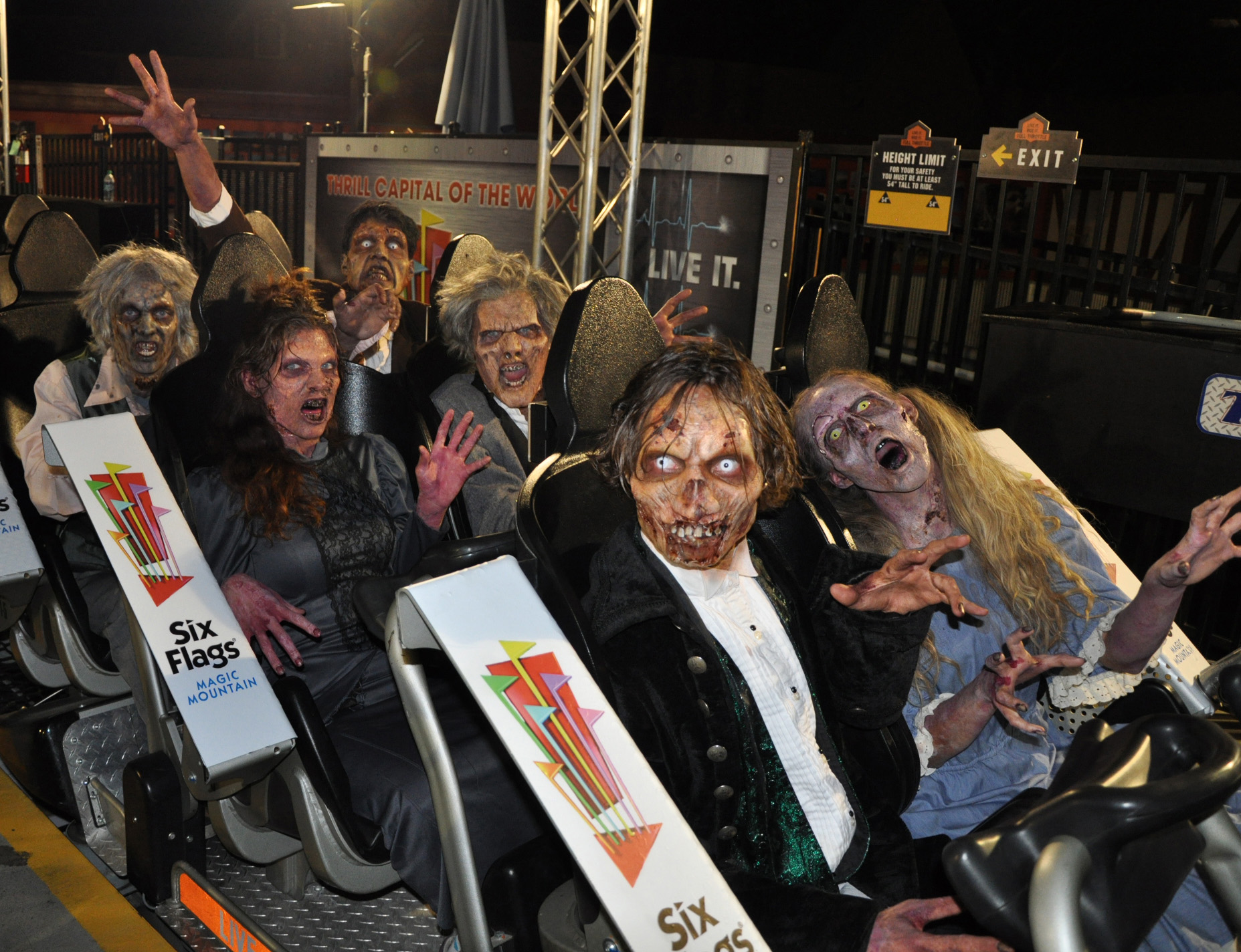 fright fest at six flags magic mountain the thrill capital of the world