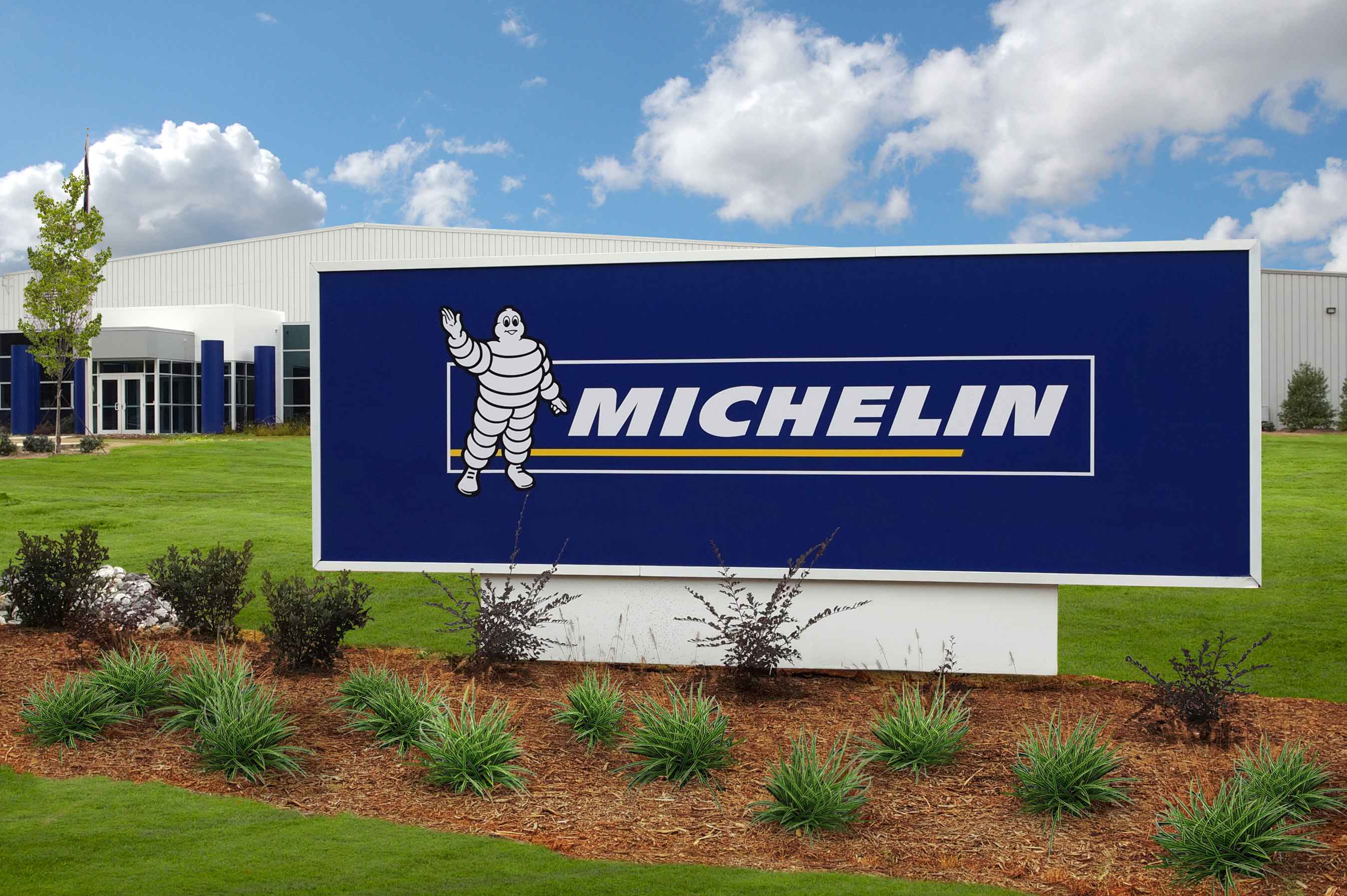 http://www.multivu.com/players/English/7381451-michelin-open-s-first-manufacturing-plant-tweel-airless-radial-tire/gallery/image/b60dcef5-f7be-45f4-b22c-afedcc41b397.HR.jpg