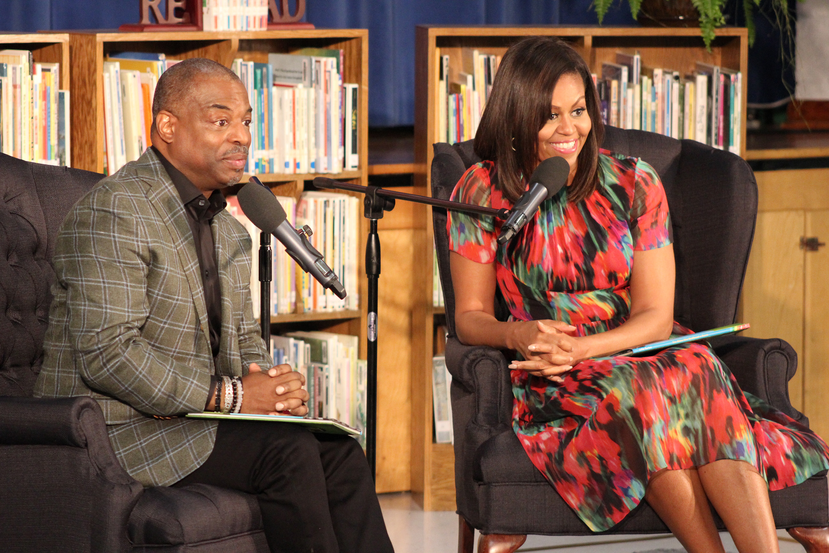 LeVar Burton and First Lady Michelle Obama read to children during the Joining Forces event at Thayer Elementary School at Fort Leonard Wood, MO. CREDIT: Jane Wolfe, RRKidz, Inc.