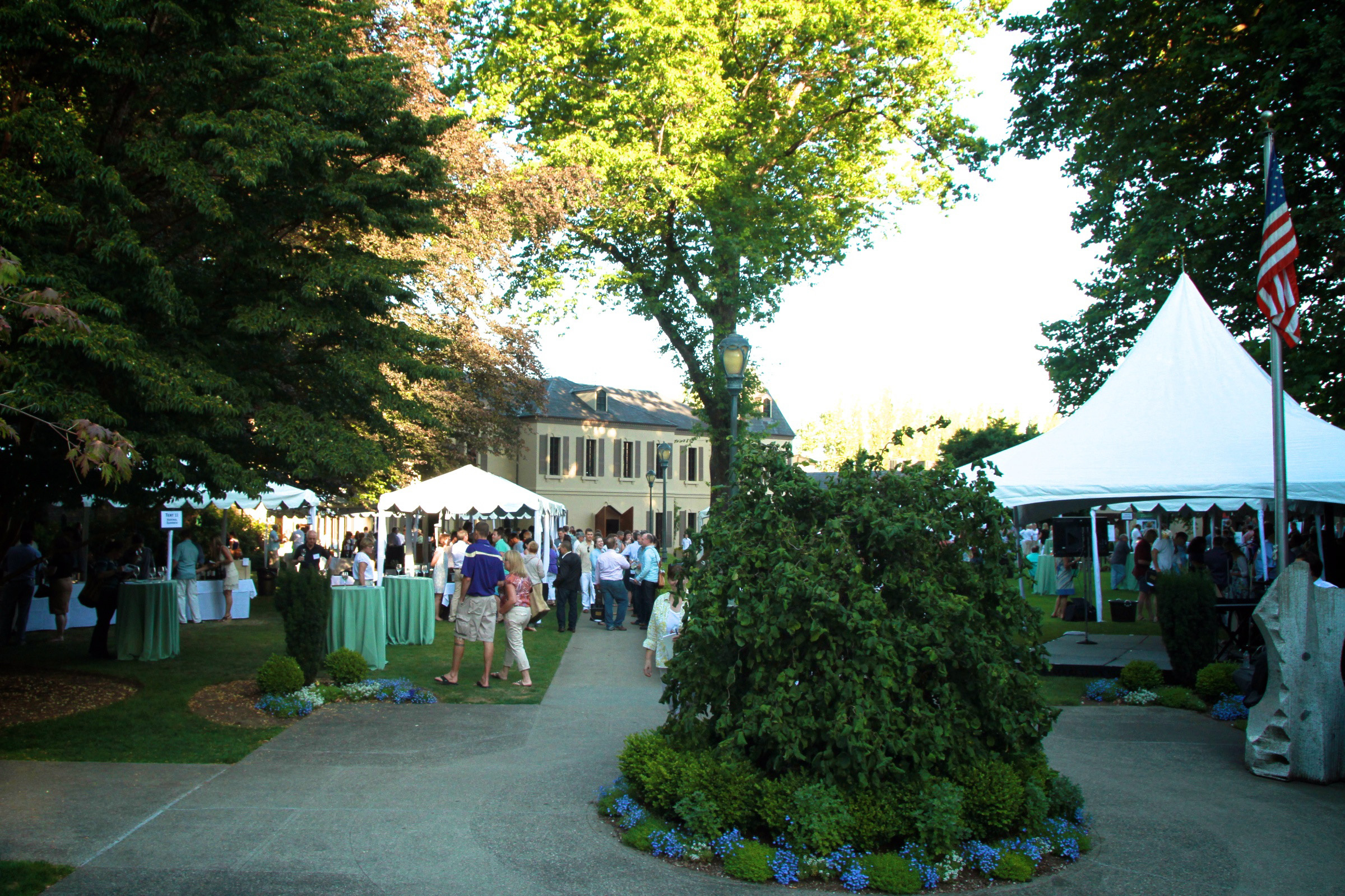 Sample the finest Rieslings from around the globe, mingle with winemakers, savor Riesling friendly cuisine by several of Seattle's popular food trucks and enjoy live music on the picturesque grounds of Chateau Ste. Michelle.