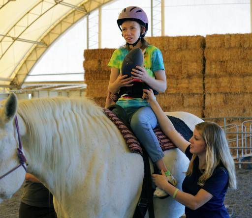 (OLD2)TROTR in California providing horse therapy to kids