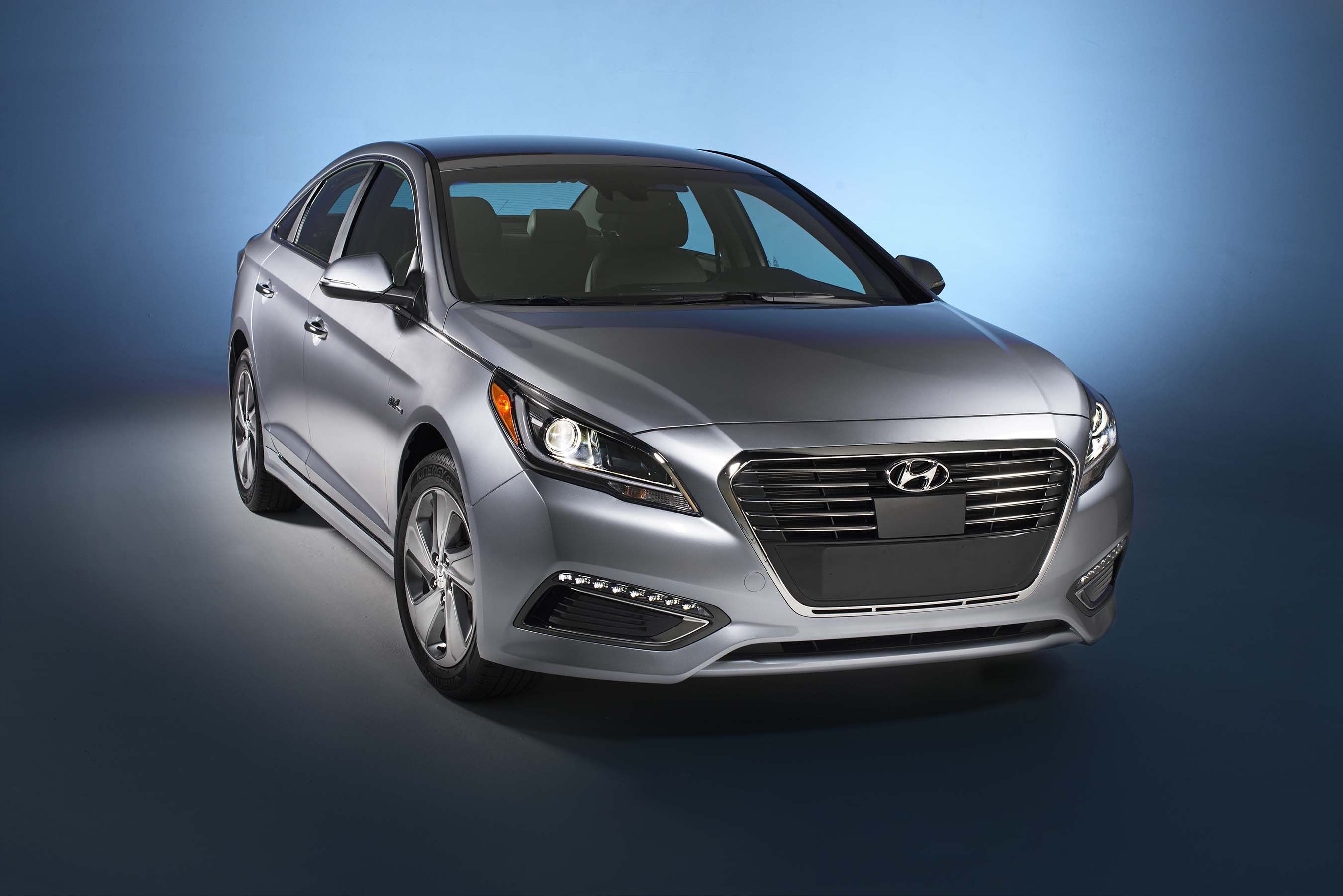 2016 Hyundai Sonata Plug In Hybrid Expected To Deliver 22 Mi All Electric Range