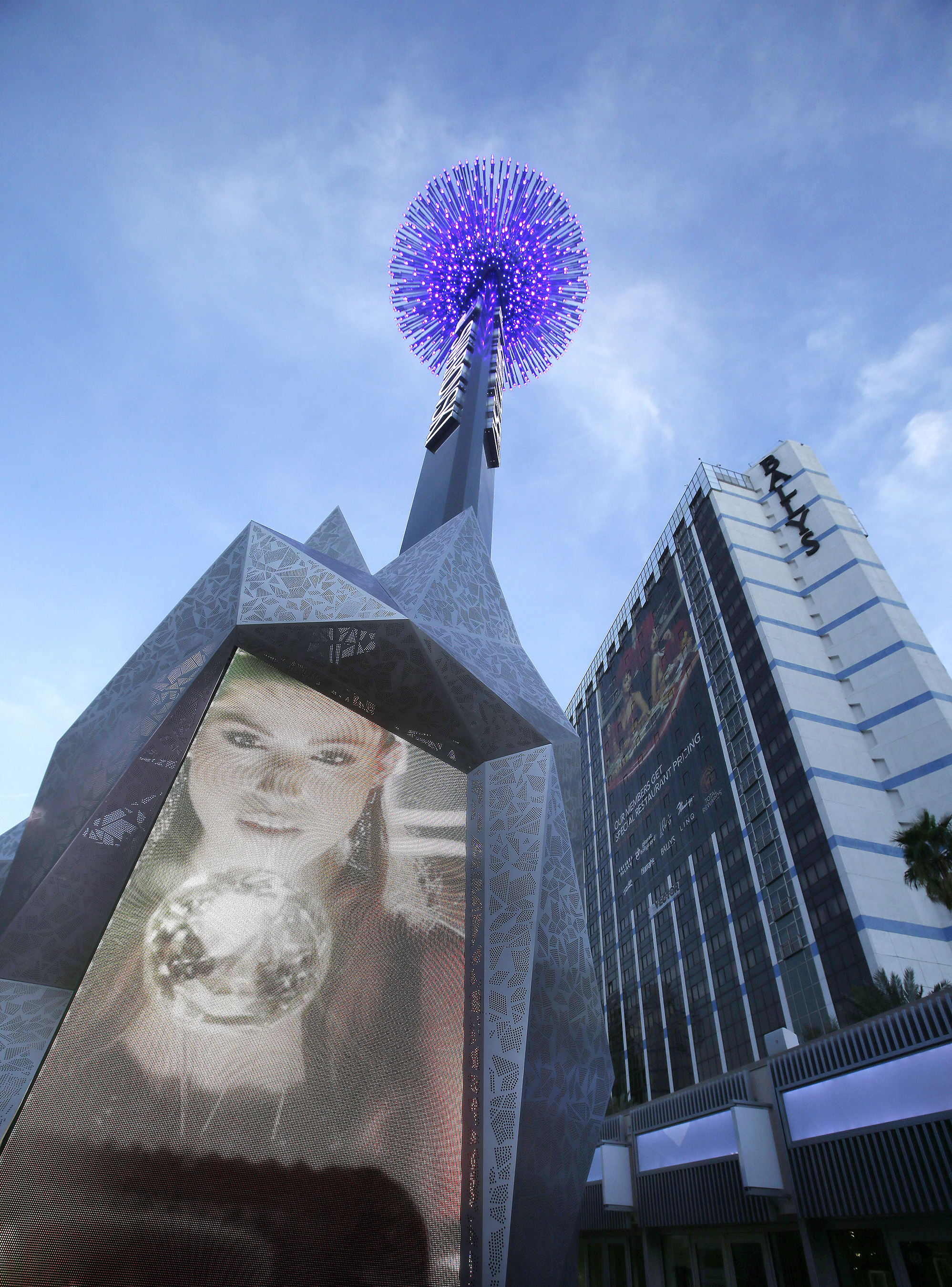 World's First Swarovski Starburst Light Show Spectacular Debuts On Las Vegas Strip