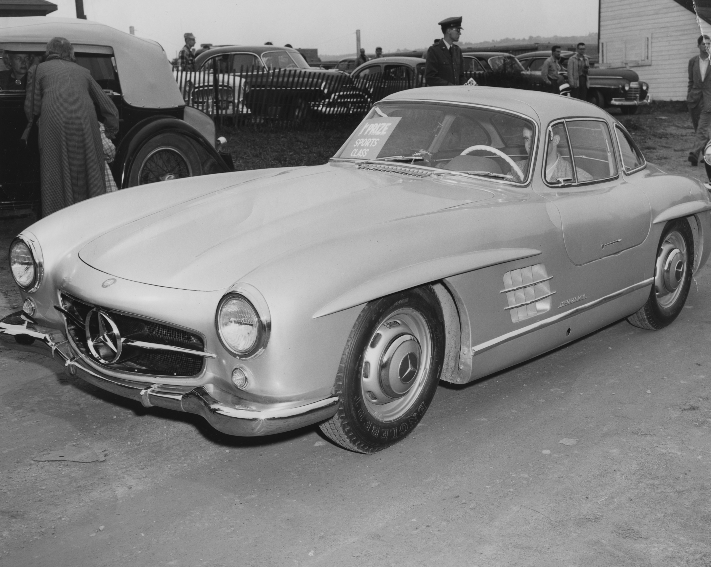 First mercedes benz type 300 sl sold in america recognized for Mercedes benz types