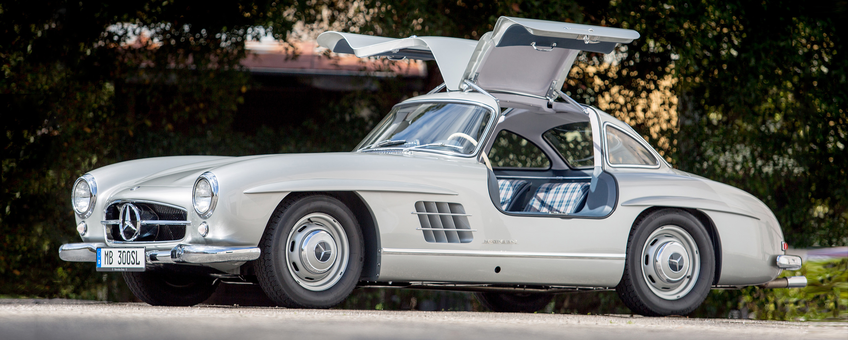 First mercedes benz type 300 sl sold in america recognized for Mercedes benz of america