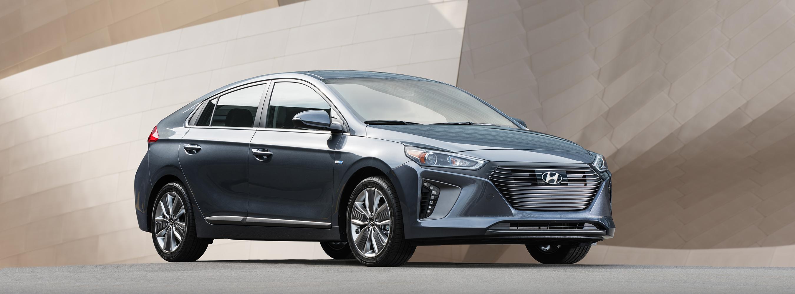 2017 Hyundai Ioniq Model Lineup Makes U S Debut At New York International Auto Show