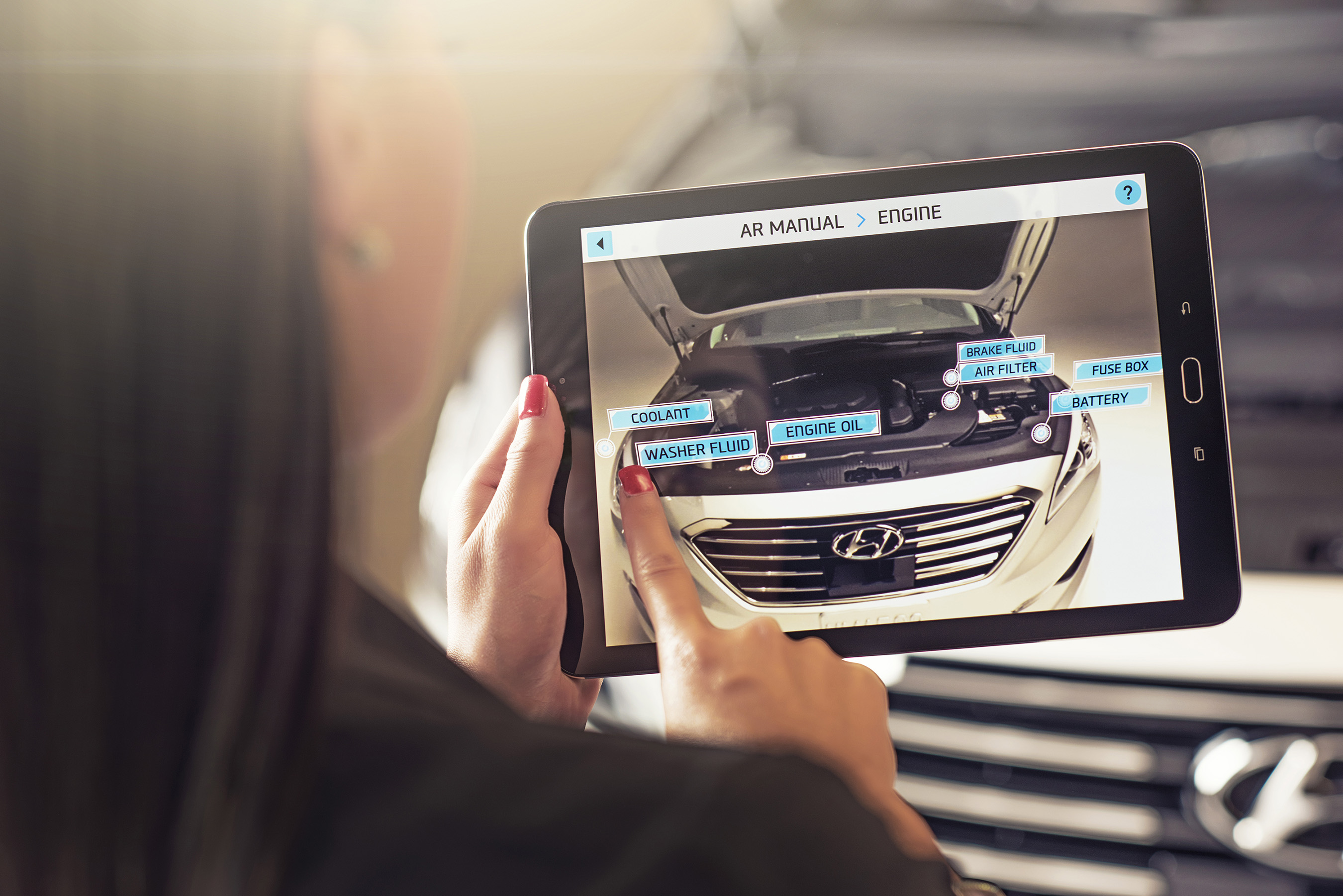 HYUNDAI VIRTUAL GUIDE INTRODUCES AUGMENTED REALITY TO THE OWNER\'S MANUAL