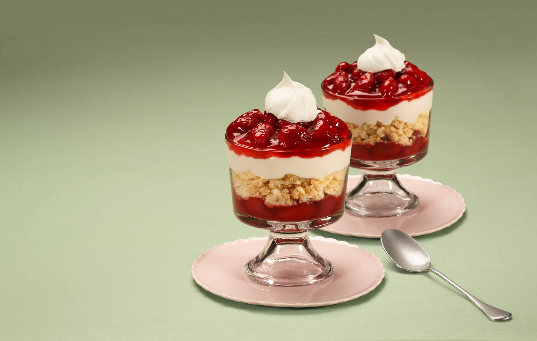 Lucky Leaf Premium Pie Filling Makes Summer Entertaining Easy With Customizable Desserts