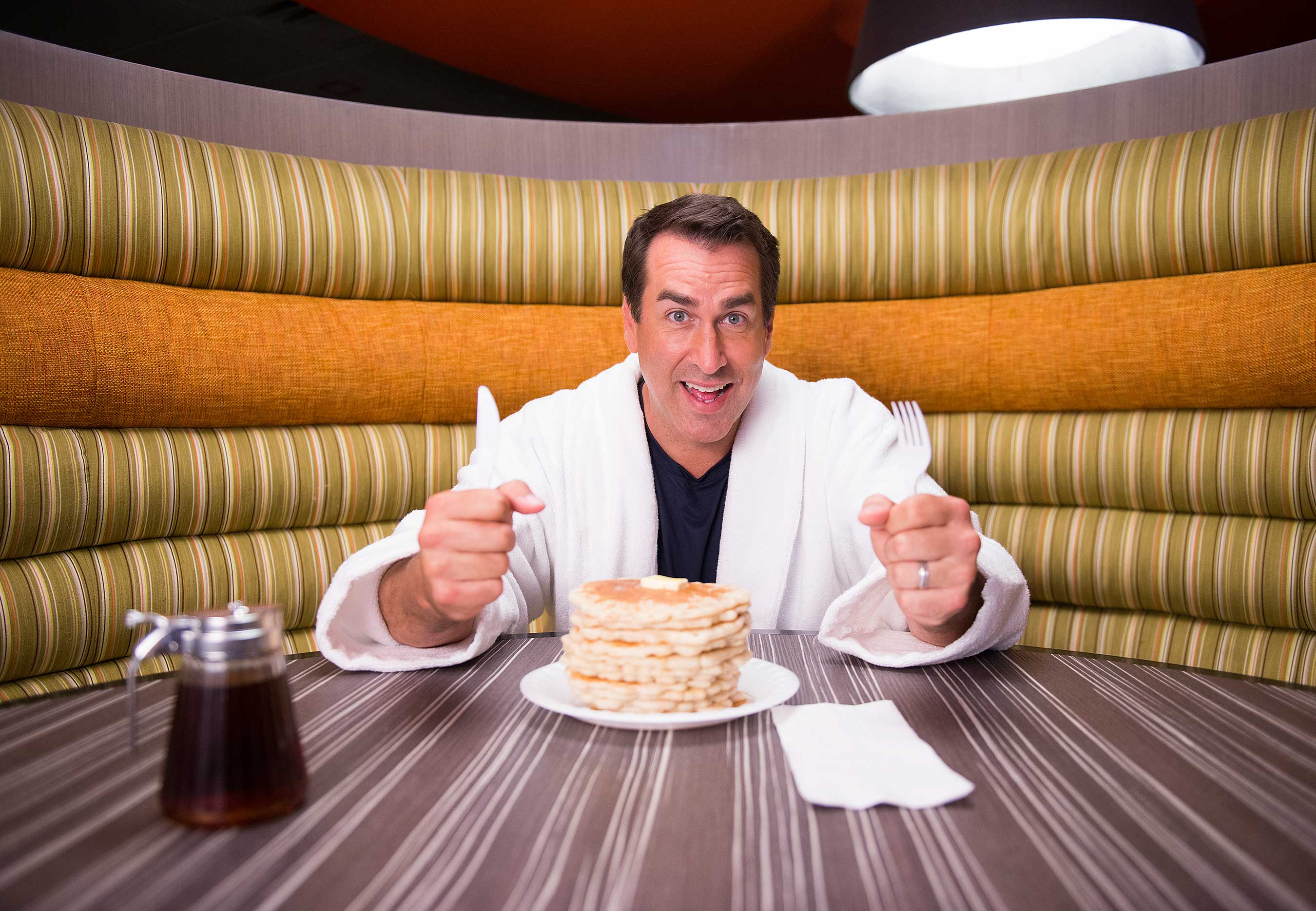 In his new role, Rob Riggle is responsible for delivering comedic genius and driving Express Start™ breakfast enthusiasm through the fall of 2015.