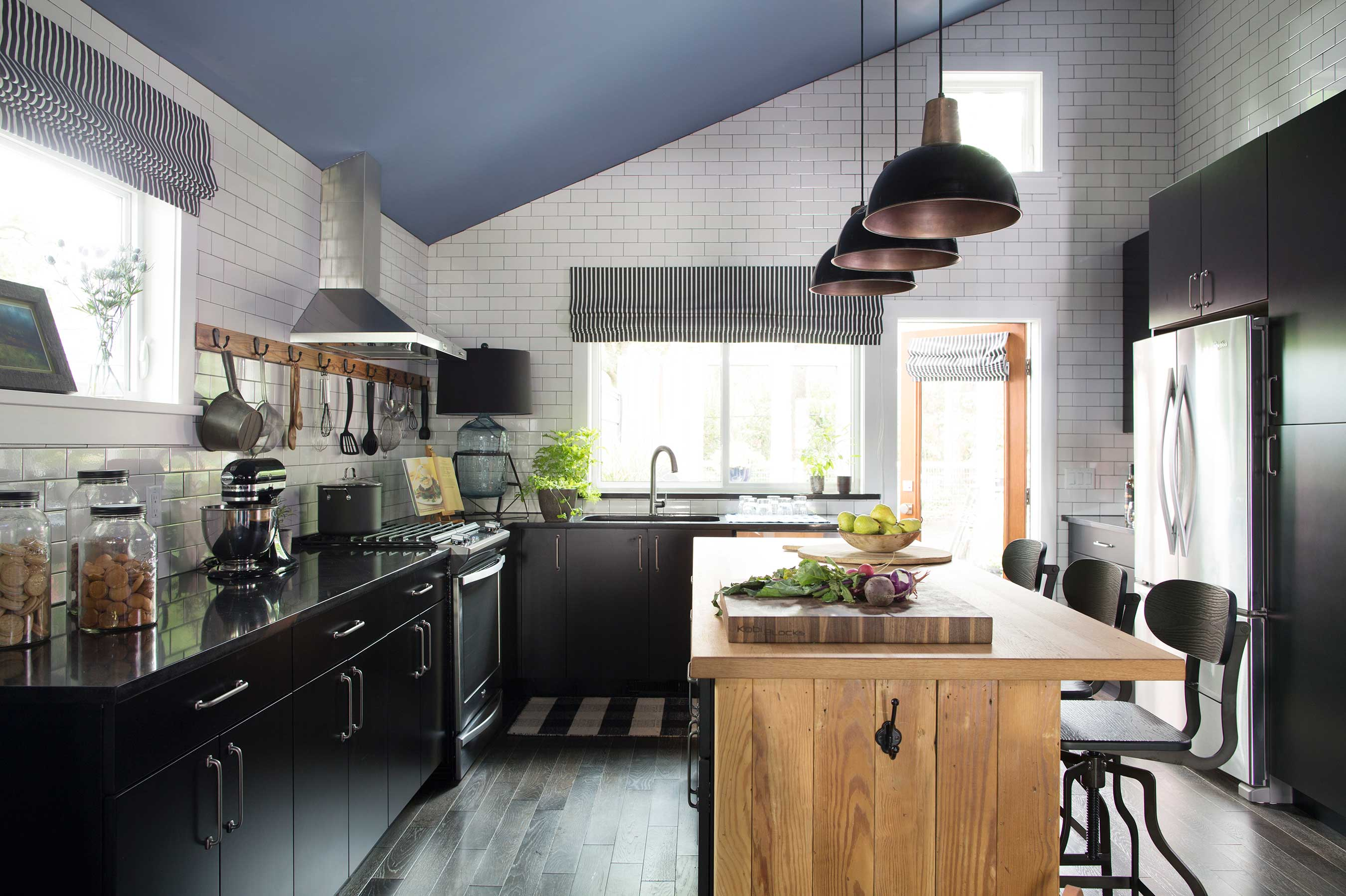 Hgtv urban oasis giveaway 2015 now open for entries for Hgtv kitchens
