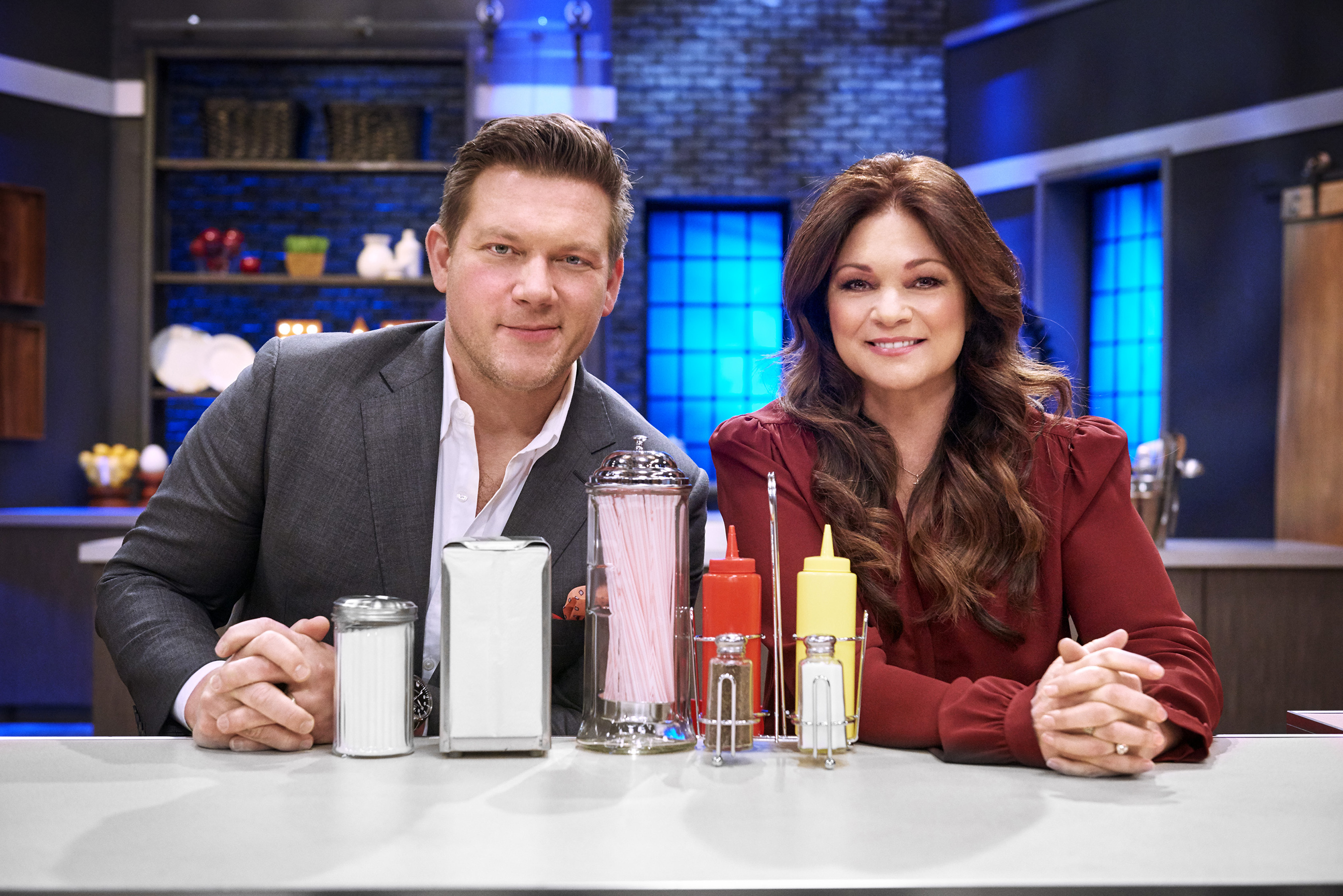 The Kitchen Hosts Beautiful The Kitchen Food Network Star Comeback S Inside Design
