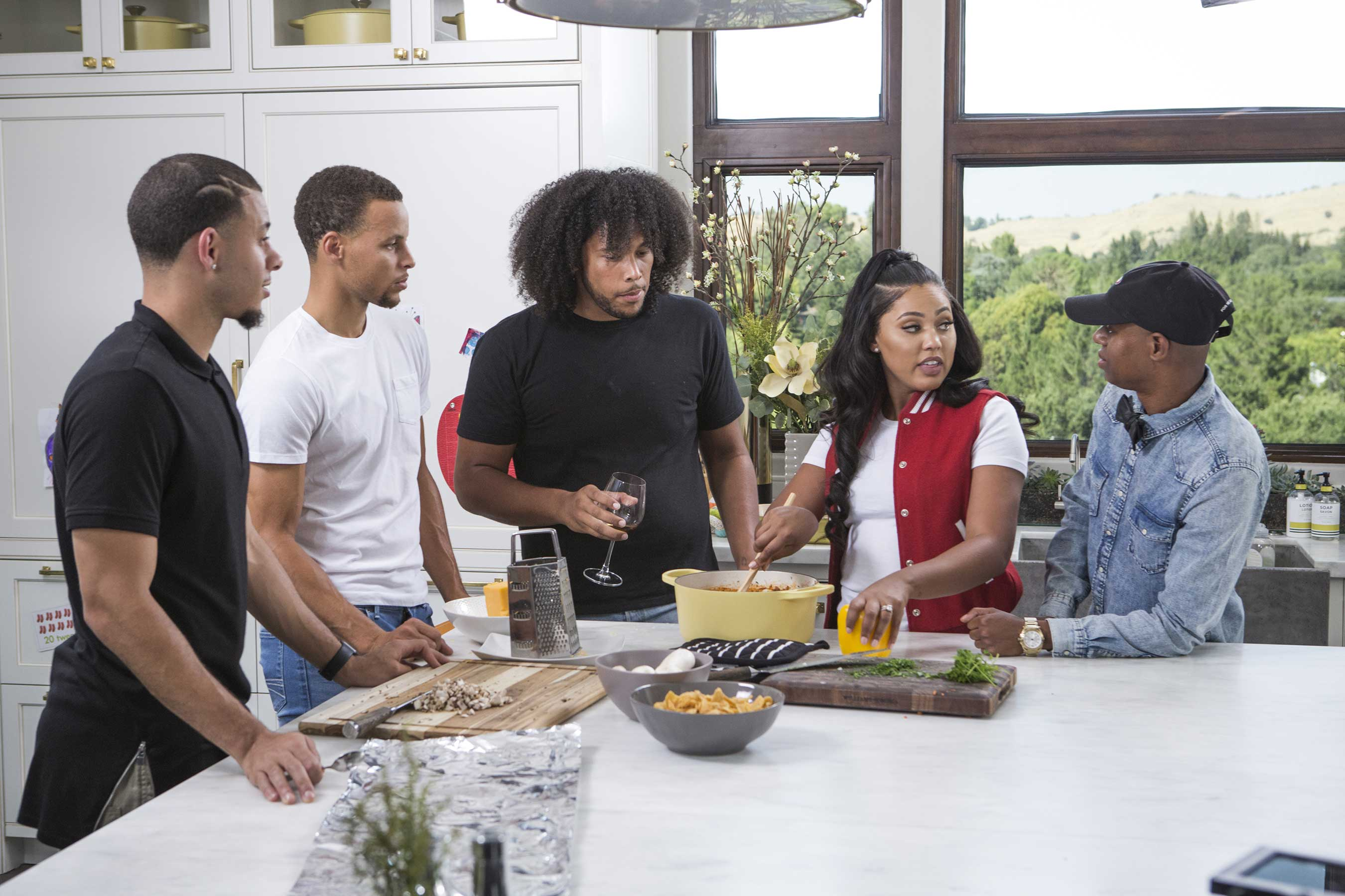 ayesha curry celebrates family  friends and food in new