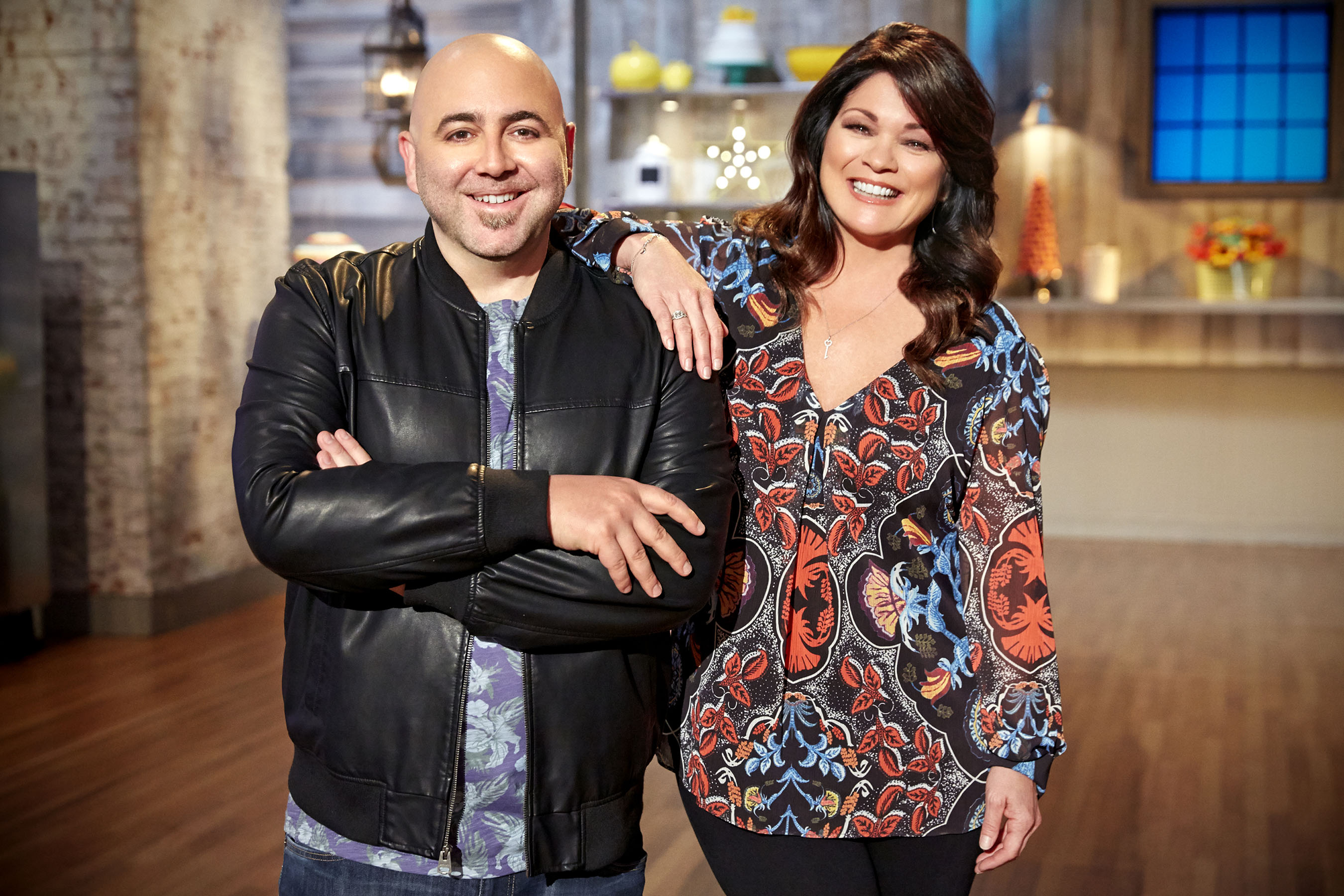 Hosts Duff Goldman and Valerie Bertinelli on Food Network's Kids Baking Championship