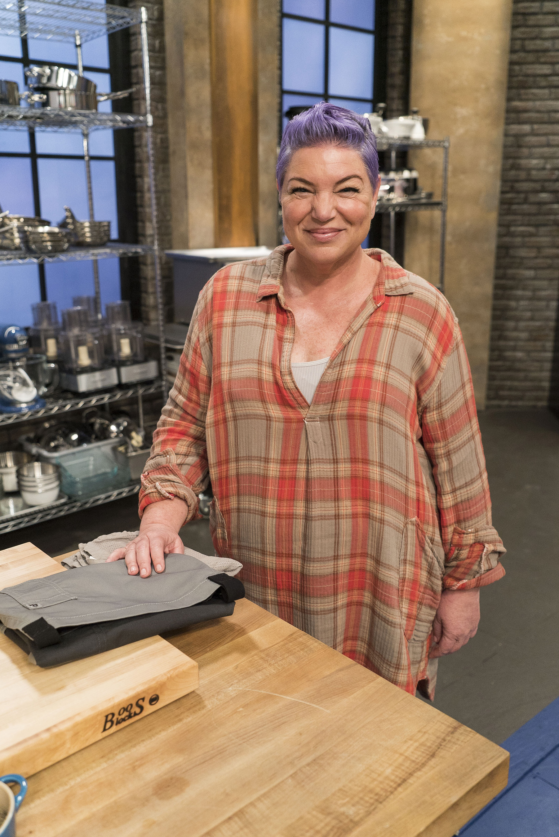 Watch Worst Cooks in America Season 16 Episode 1 ...