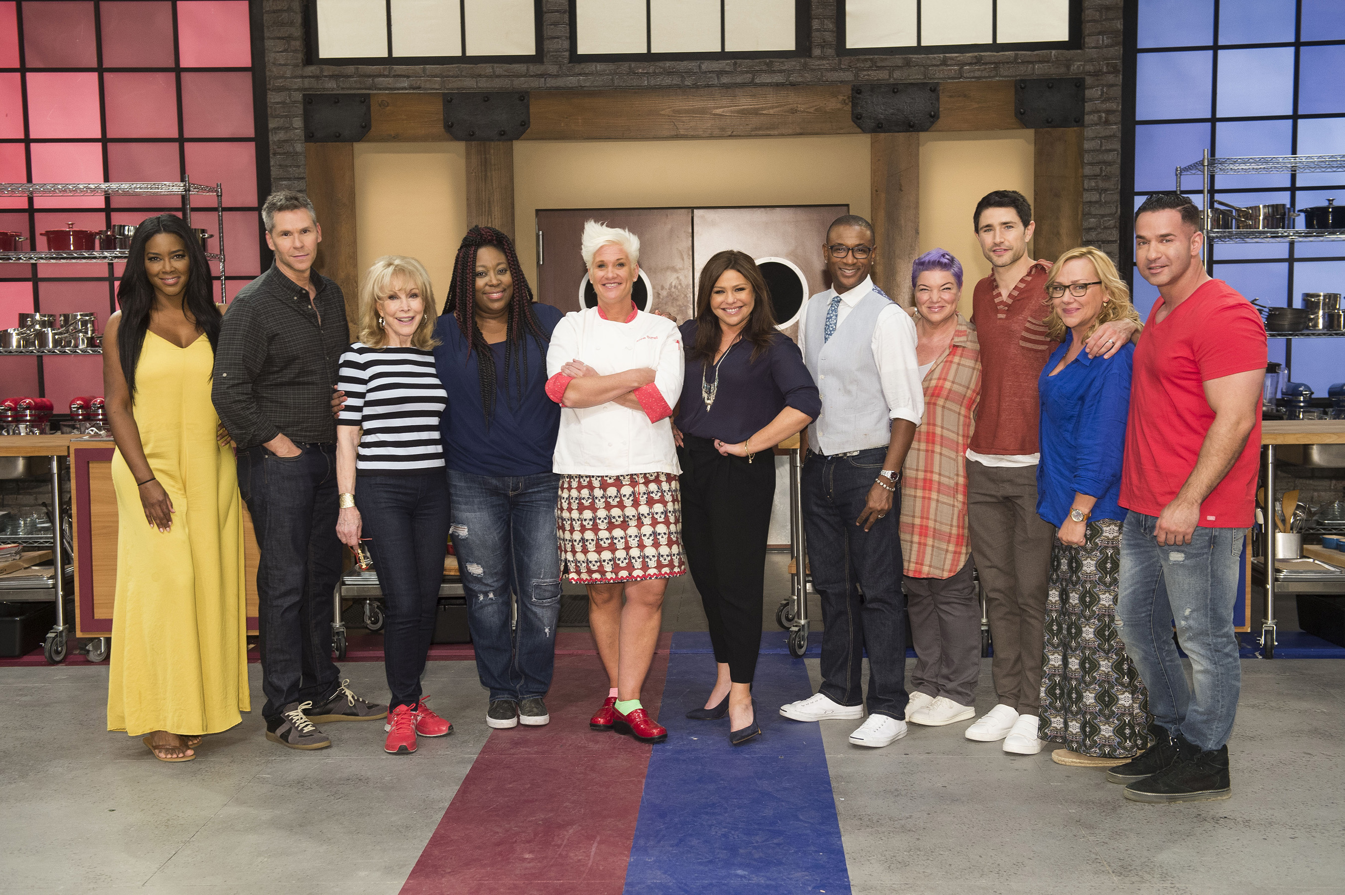 Worst Cooks in America: Celebrity Edition is back for a ...