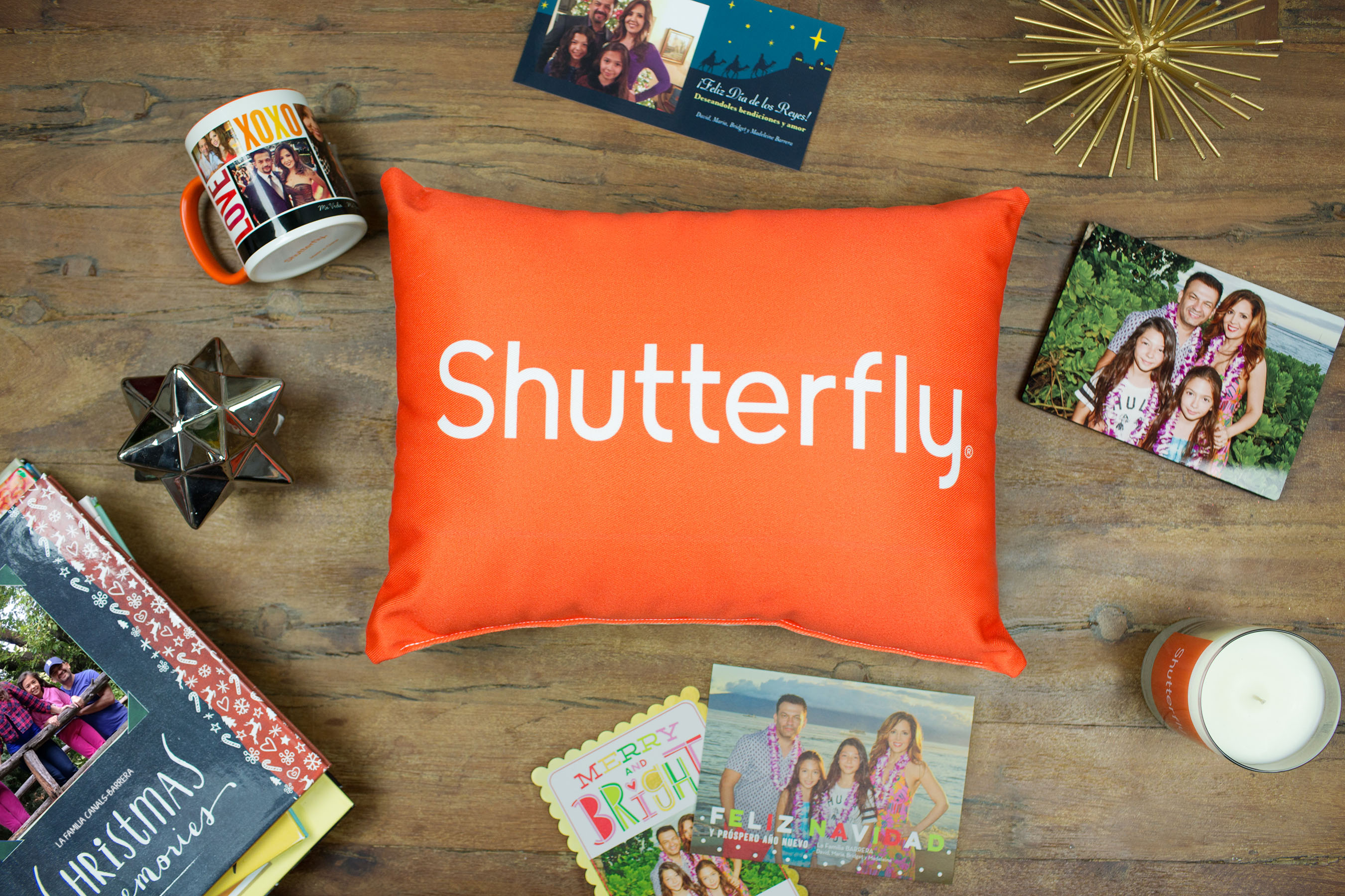 Shutterfly's online photo storage options will always have you smiling for the camera. Unlimited Picture Storage. We are taking more photos than ever—in fact, billions of photos are uploaded to the web every year. At Shutterfly, we want to make sure you preserve all of your memories in one simple spot.