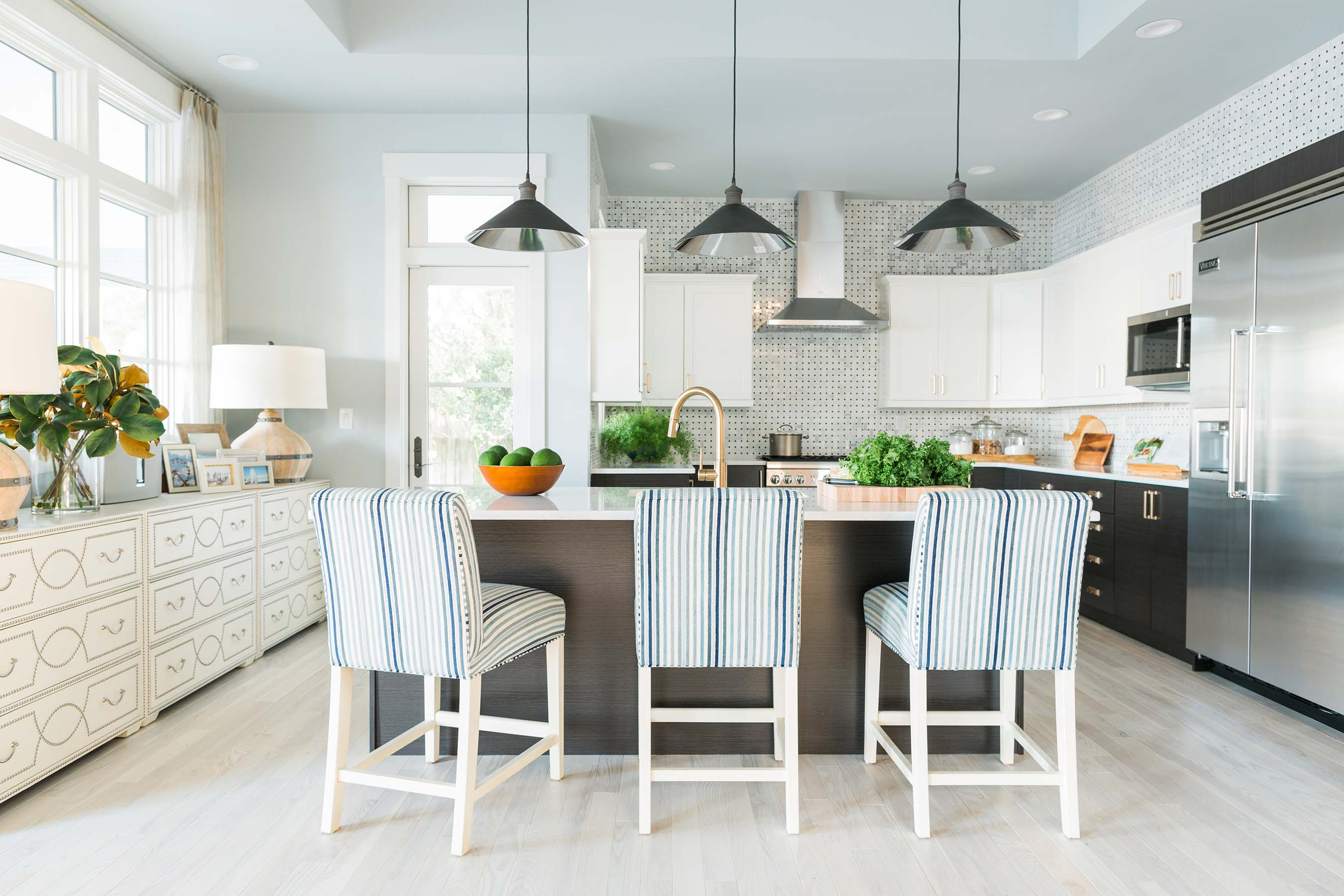 Fans get a peek at the first dream remodel for hgtv dream for Best kitchen designs 2016