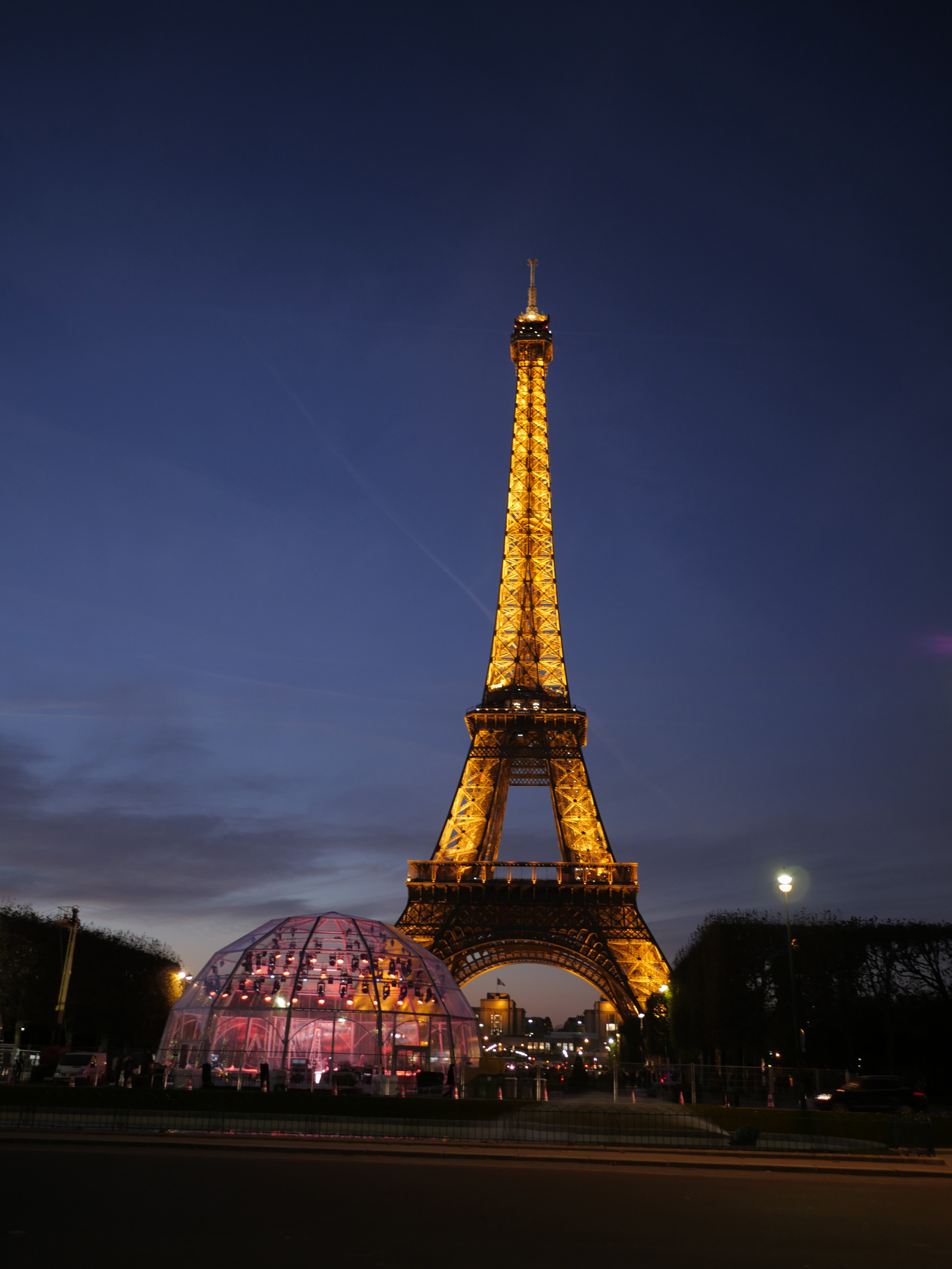 Set on Location of Global Broadcast of 24 Hours of Reality, Paris, France