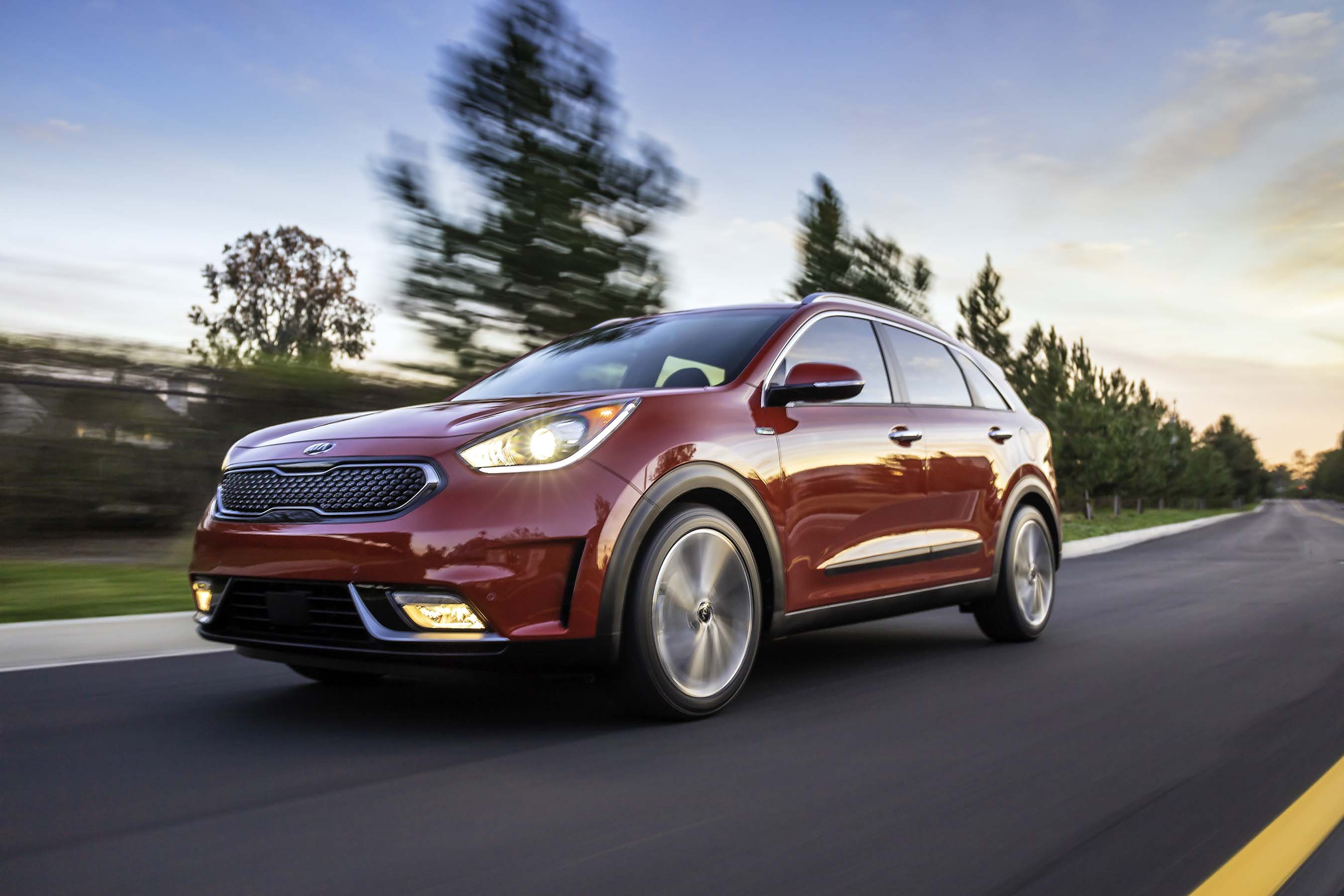 All-new 2017 Kia Niro Hybrid Utility Vehicle arrives in the Windy City for global debut at Chicago Auto Show.