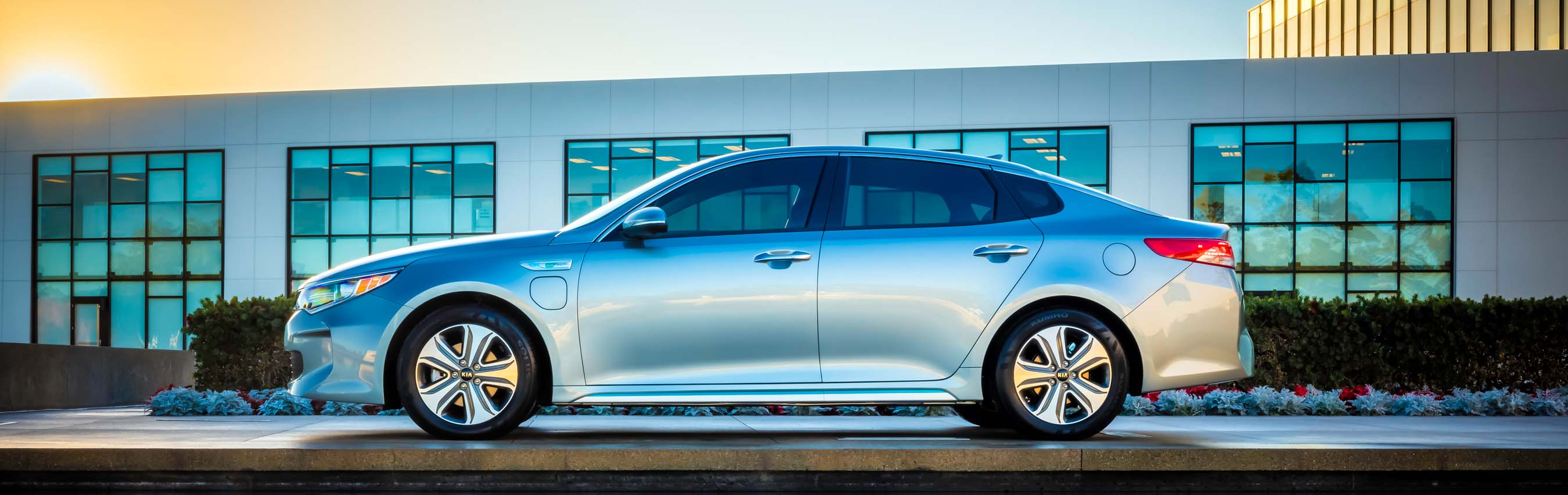 All New 2017 Kia Optima Plug In Hybrid Makes Global Debut At Chicago