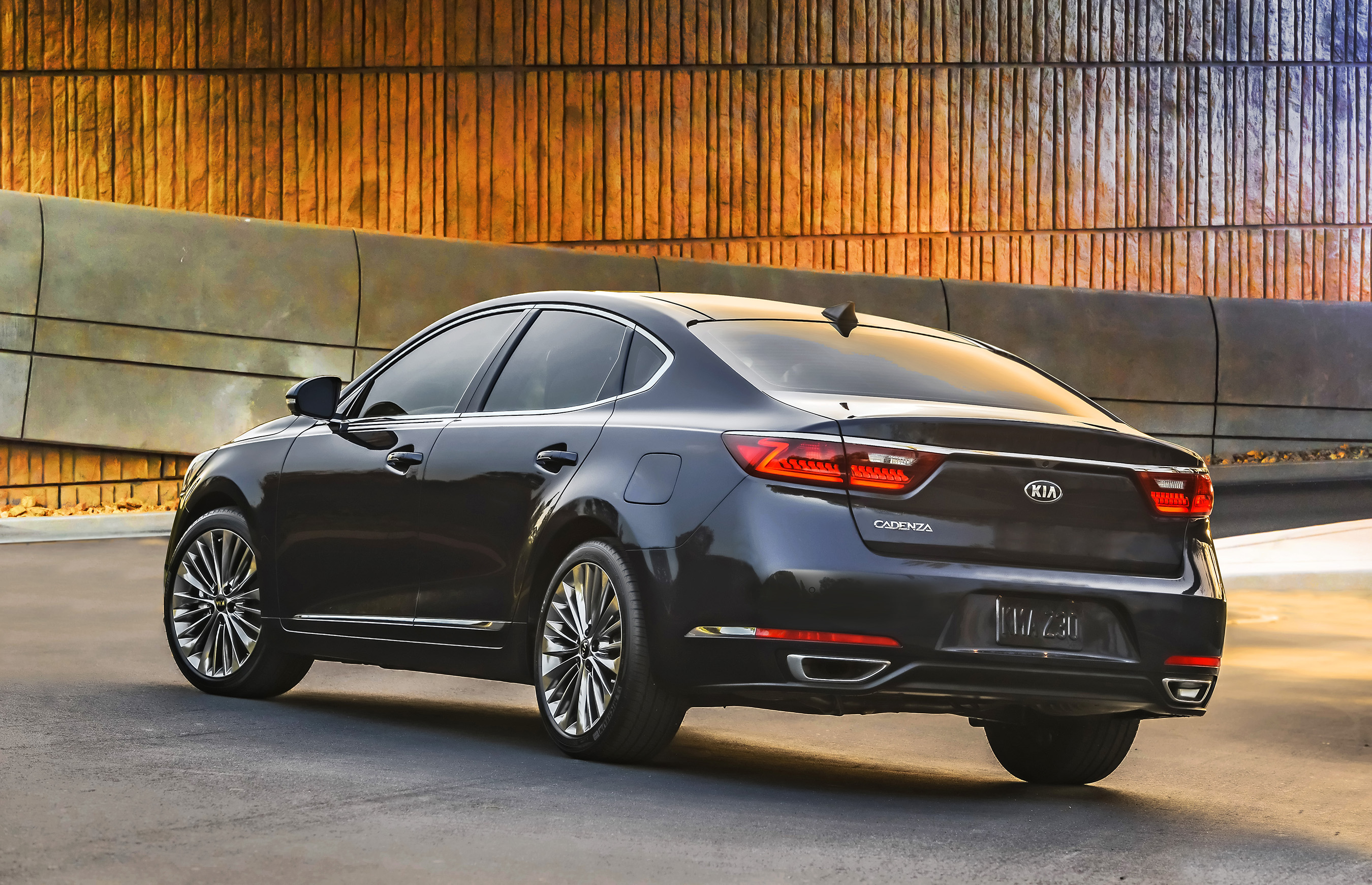 All new 2017 kia cadenza takes the stage at the new york international auto show