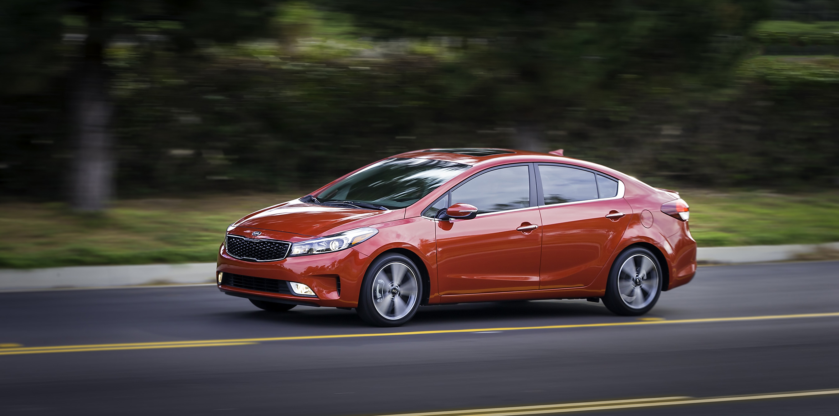 Kia unveils the refreshed 2017 Forte sedan at the North American International Auto Show.