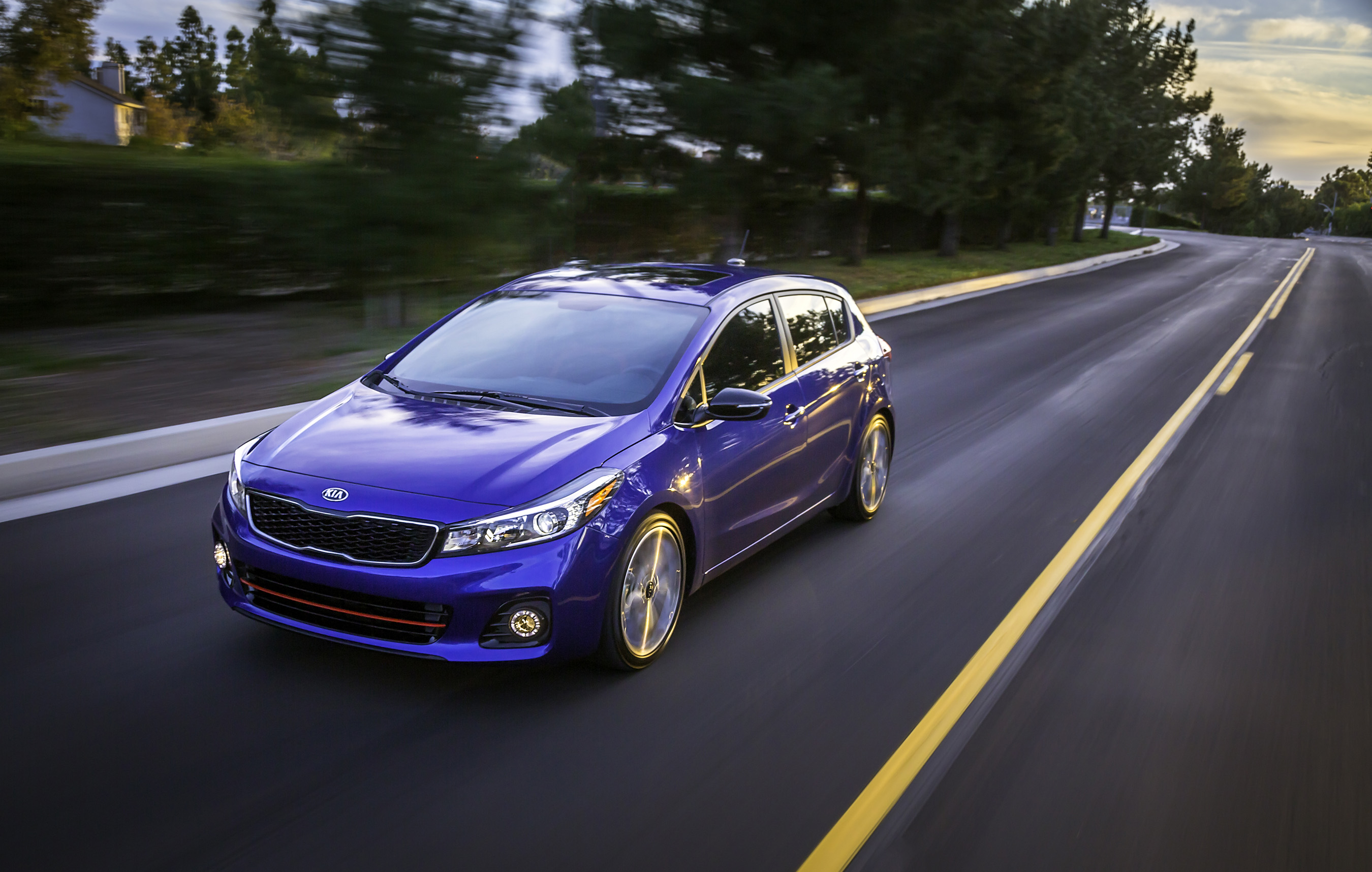 Kia today unveiled the refreshed 2017 Forte5 alongside its similarly updated sedan sibling at the North American International Auto Show.