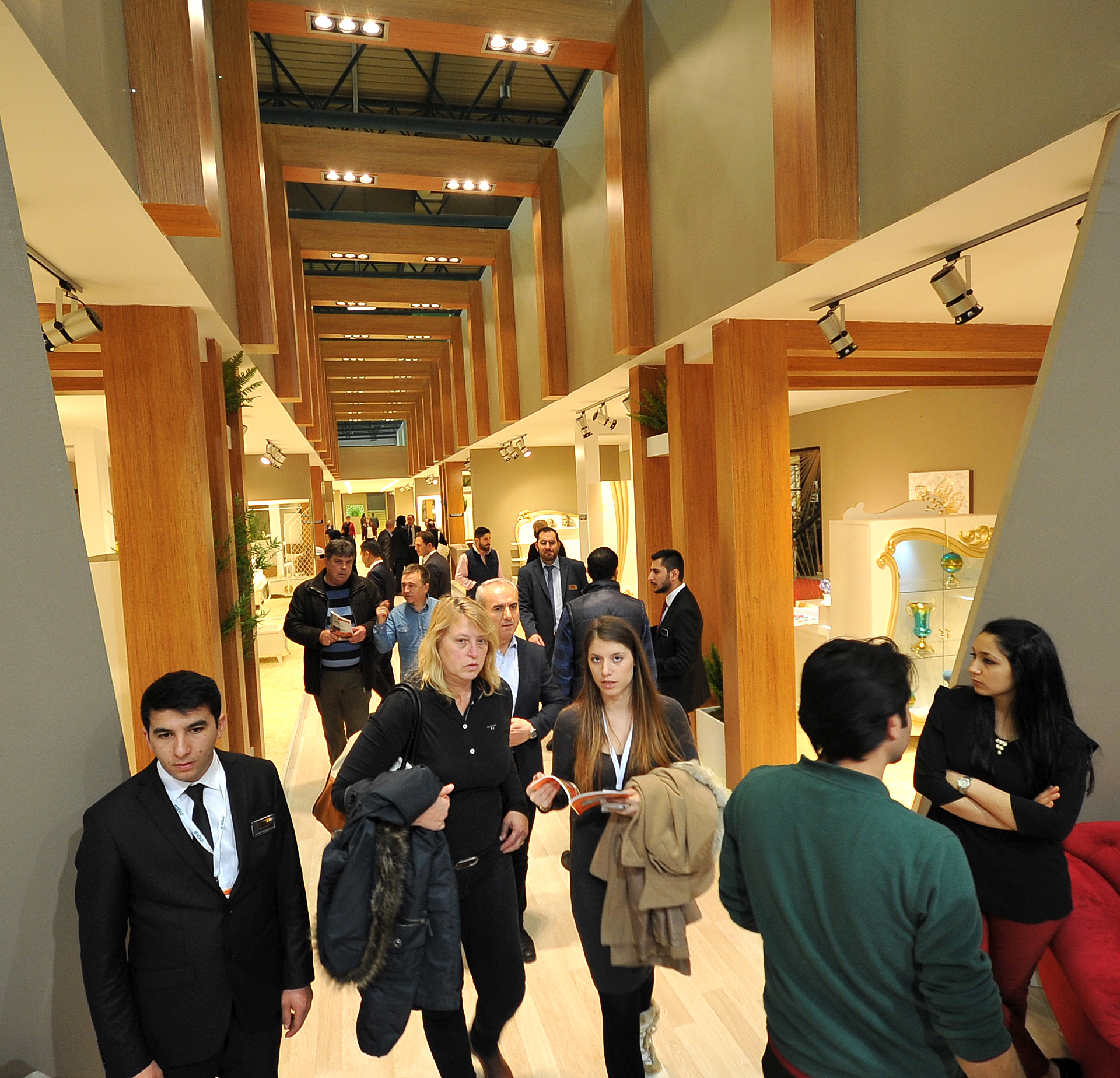 Exhibition Stand Furniture : İsmob receives record breaking number of visitors
