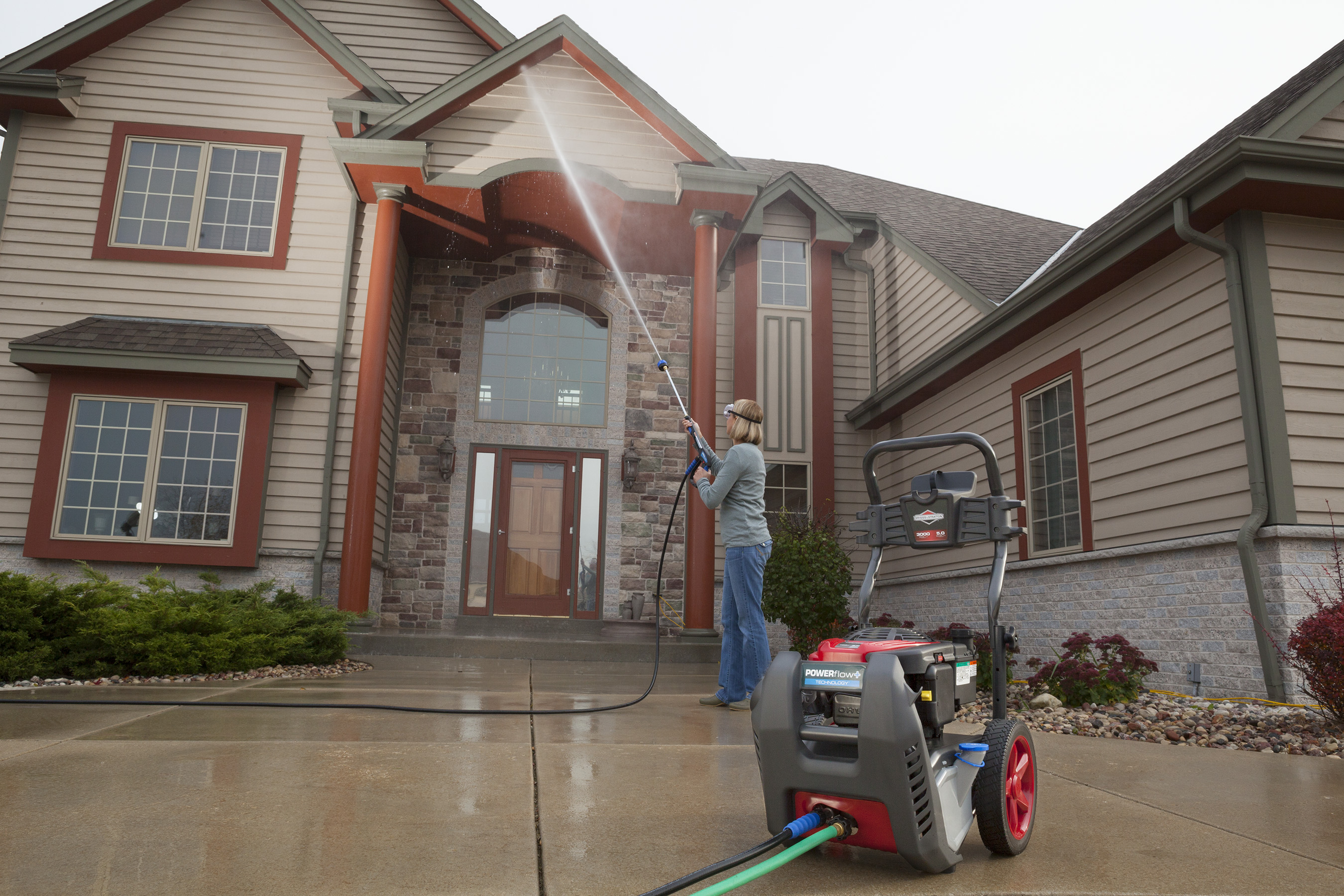 Power washing your second story windows and house siding has never been easier with the POWERflow+ gas pressure washer.The 7-in-1 nozzle allows you to change settings with a twist of the wrist.