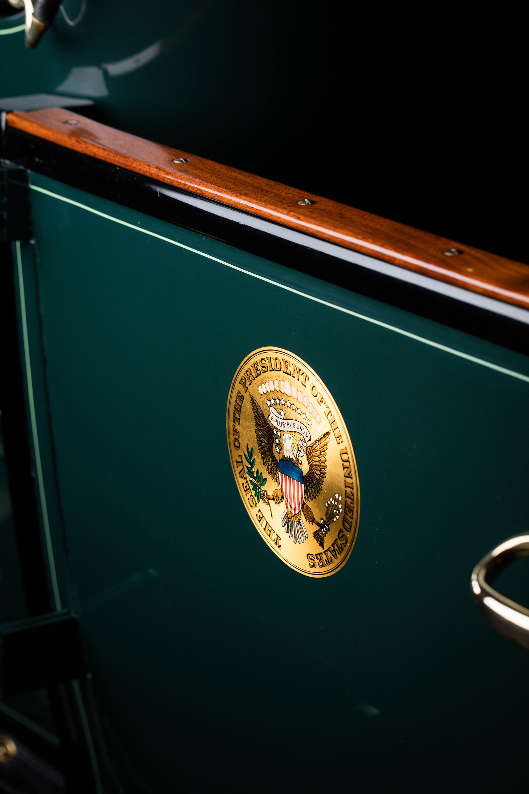 The White Steam Car was the first vehicle purchased under the Taft administration and likely the first car in history to be adorned with the presidential seal. This is an authentic reproduction of the seal used in period and was placed on the Steam Car with the permission of the White House in 1999. (Photo courtesy of the Historic Vehicle Association/Casey Maxon-March 2016)