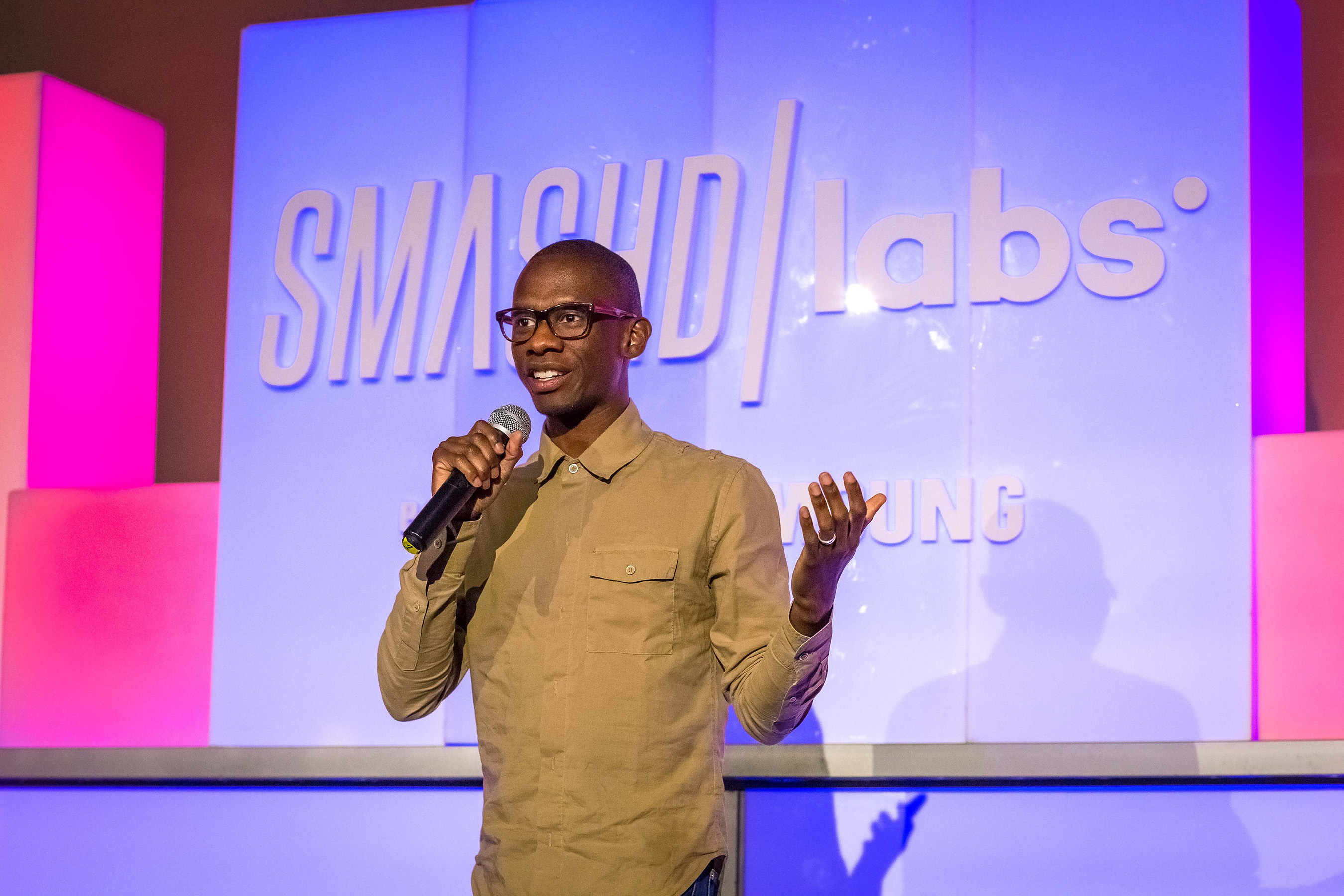 Troy Carter welcomes investors, media and special guests to Smashd Labs Demo Day (November 2015)