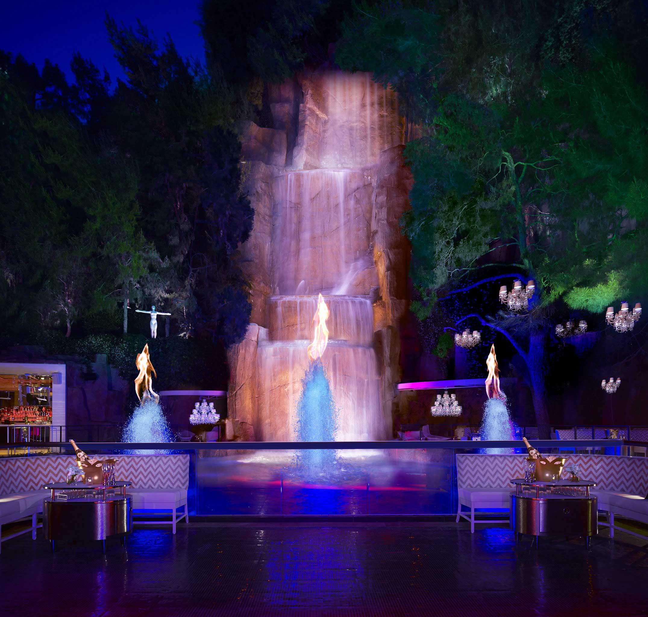 Wynn las vegas elevates nightlife design with the for Wynn design and development las vegas