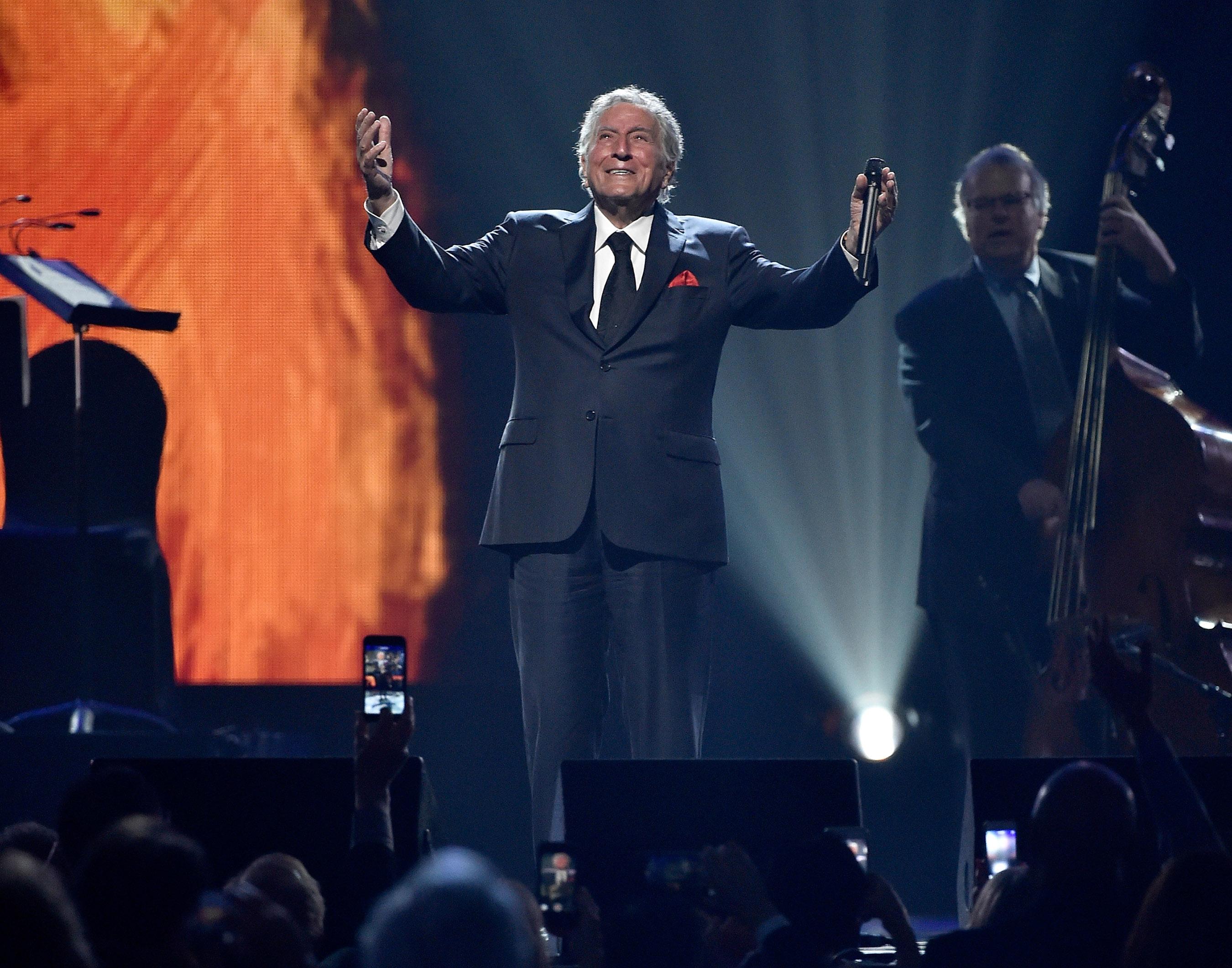 Tony Bennett performs at KMA Gala