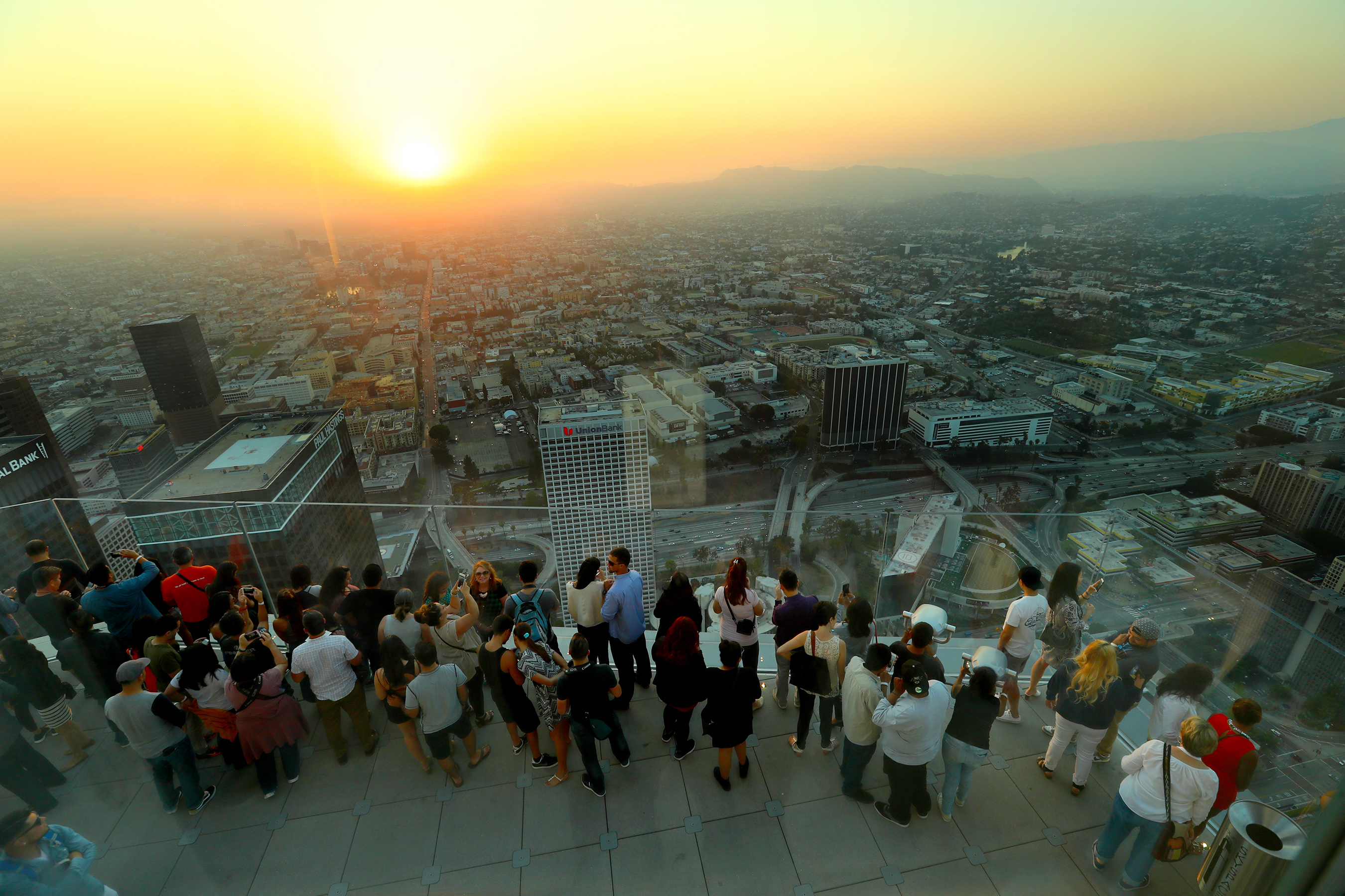 Oue Skyspace La Celebrates Grand Opening Weekend California S