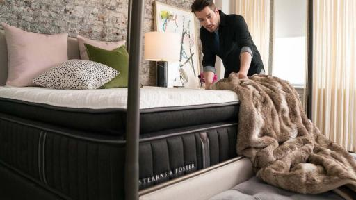 Home design expert jonathan scott helps fans redesign for Redesign your room