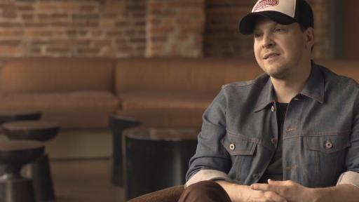 Gavin DeGraw encouraging people to participate in a Lustgarten Foundation Walk