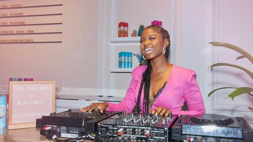 DJ Brittany Sky will be onsite at The Shave Bar by Skintimate® spinning retro-tropical beats to set the mood while consumers get ready with friends.