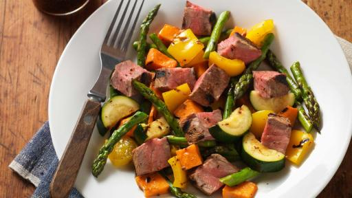 grilled-steak-vegetable-salad