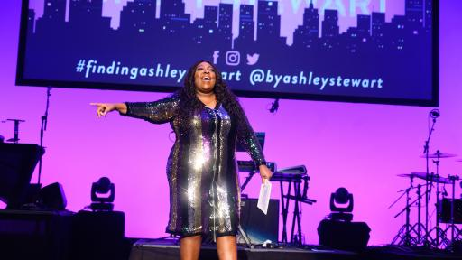 2019 Finding Ashely Stewart Finale host, Loni Love brings down the house