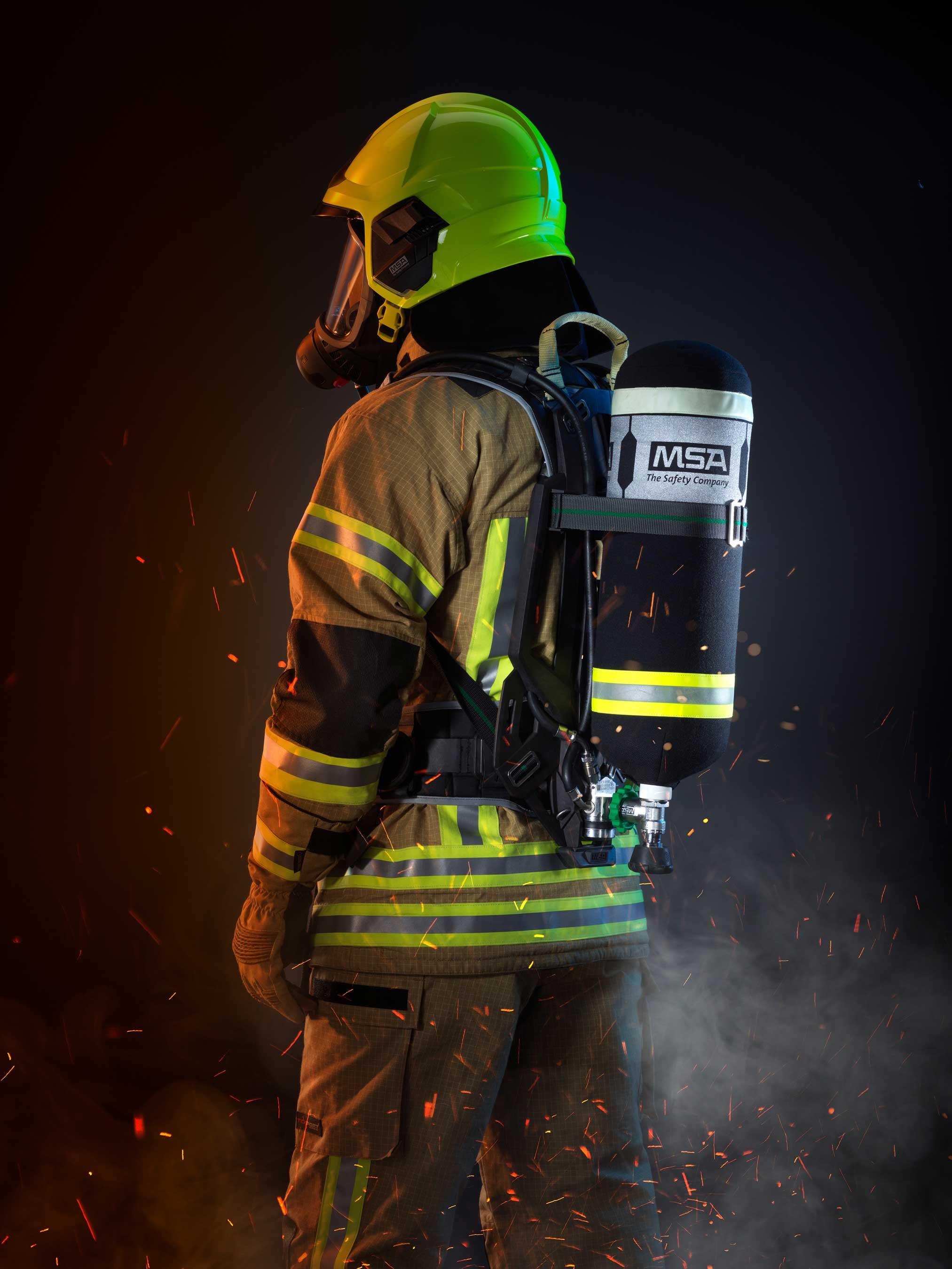 1 Hr Photo >> Innovative modulare Atemschutzgerättechnologie von MSA bietet Feuerwehrleuten
