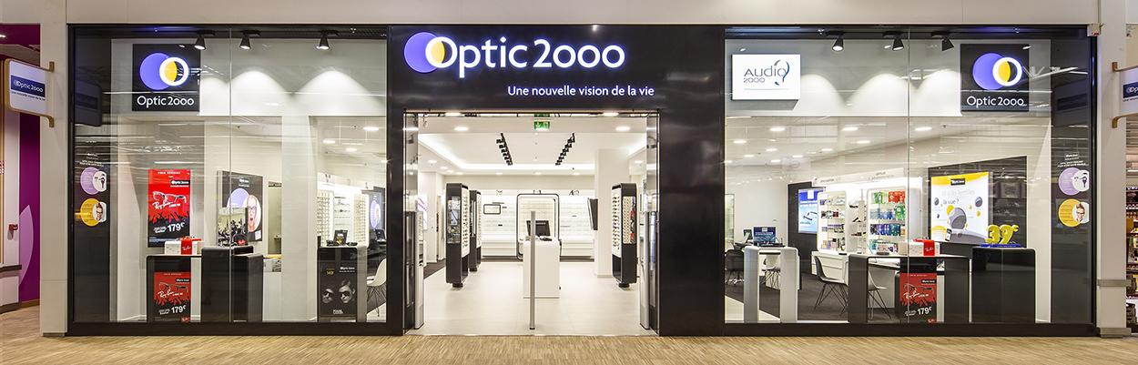 1b313cac5a12a Le professionnalisme d'Optic 2ooo incarné par 8 opticiens pour sa nouvelle  campagne