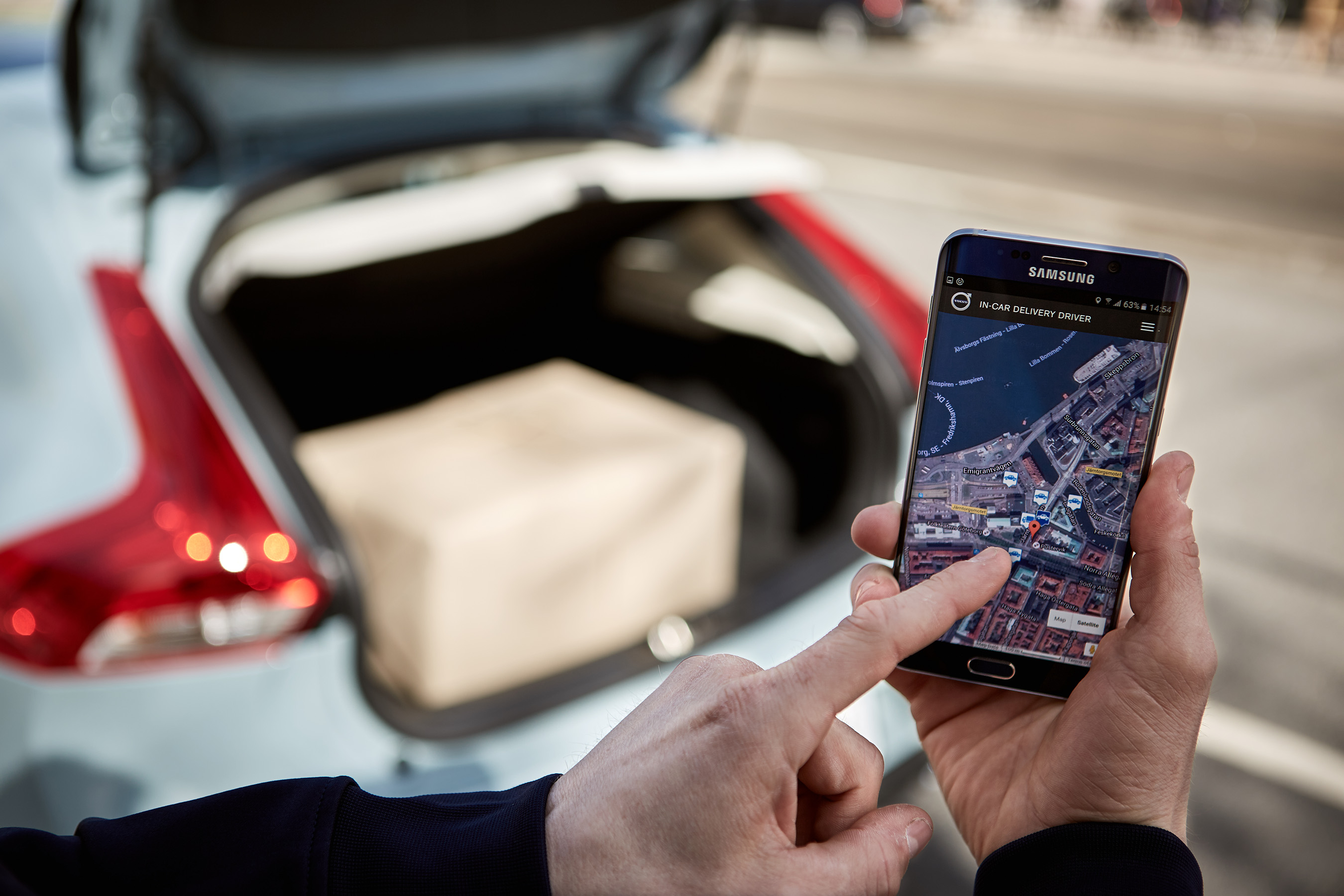 Volvo Cars Pioneers Two Hour In Car Delivery Service With
