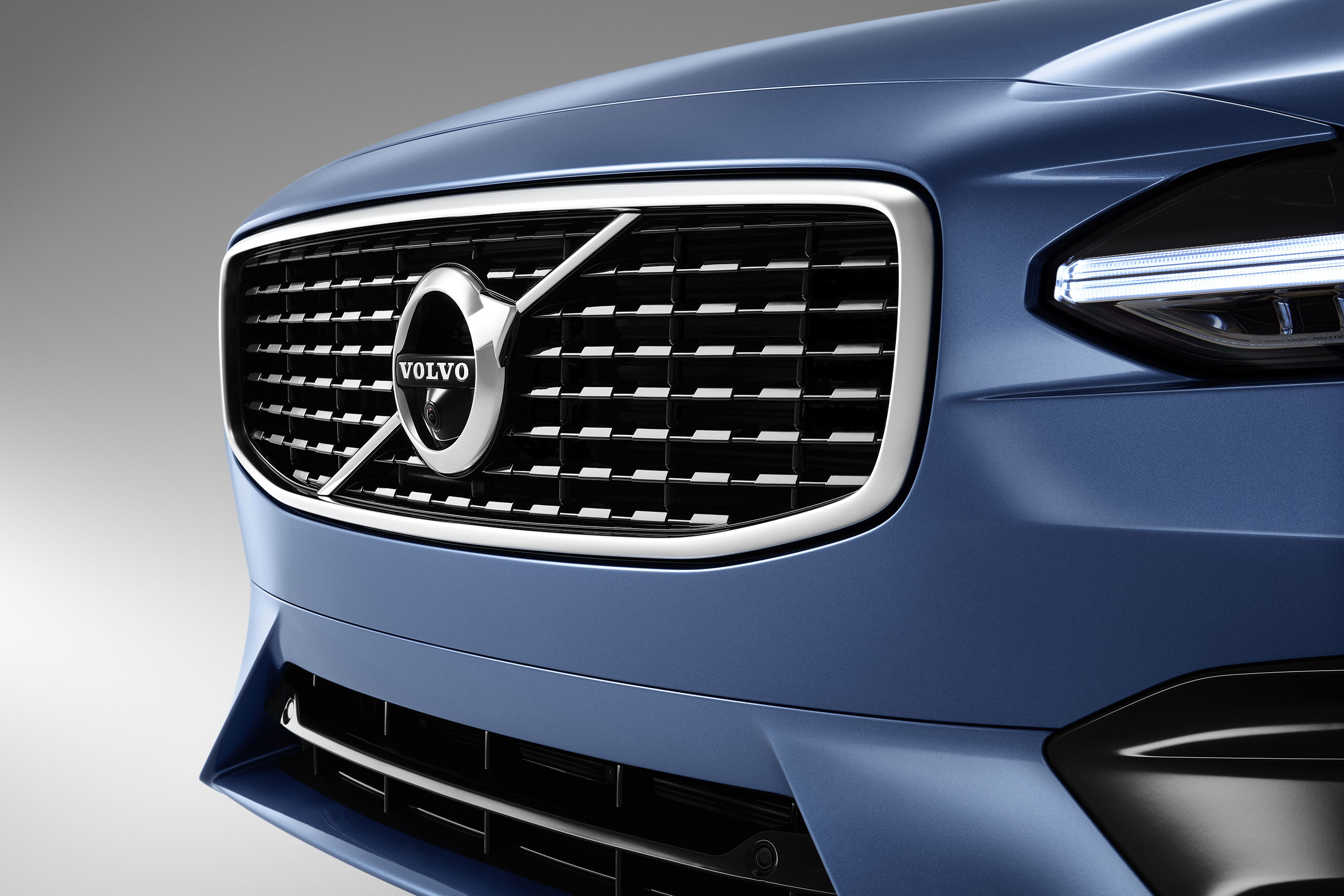 Design By: Volvo Cars Reveals Sporty S90 & V90 R-Design Models
