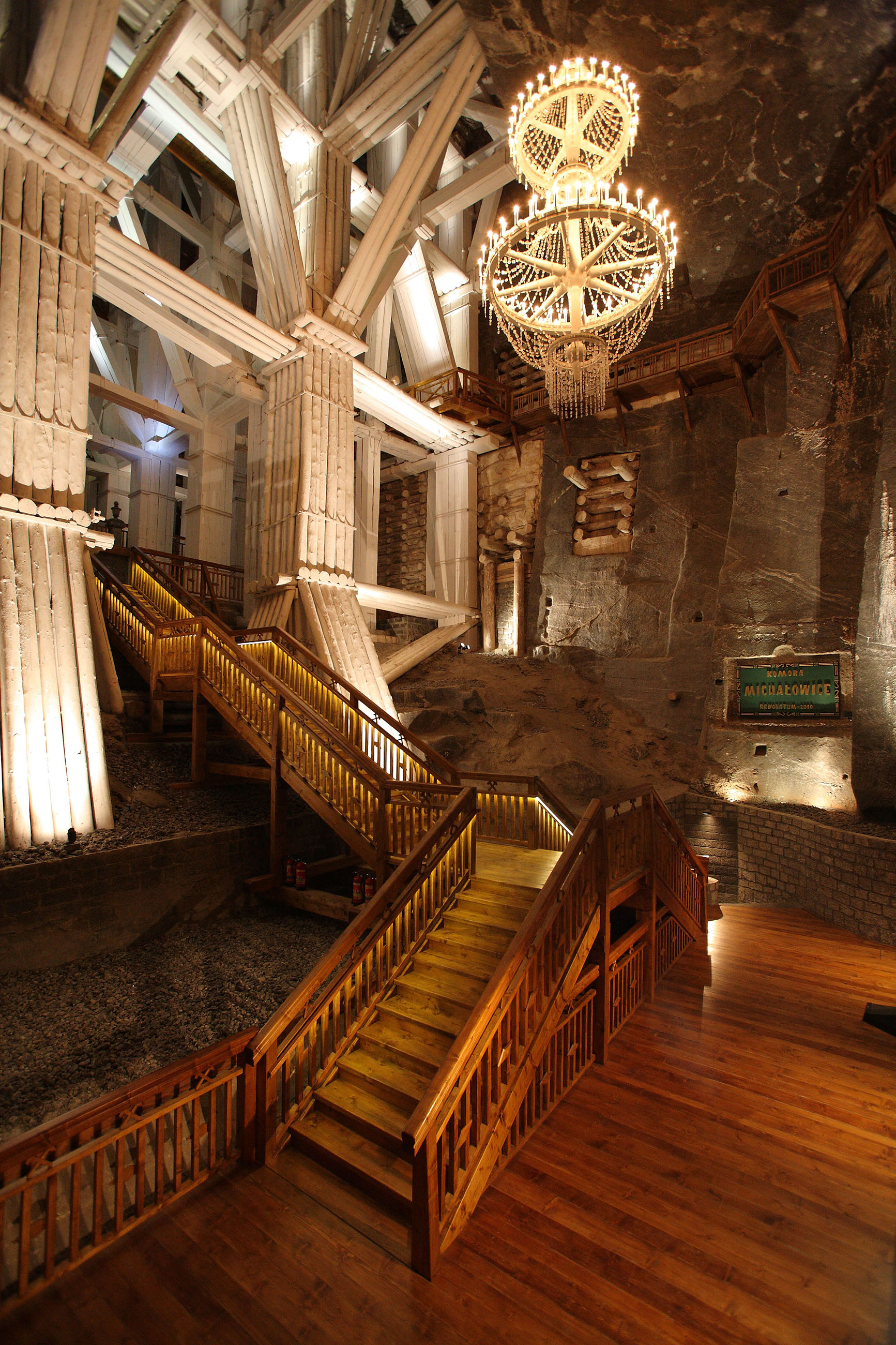 wieliczka salt mine attracts a record breaking 1 5 million tourists. Black Bedroom Furniture Sets. Home Design Ideas