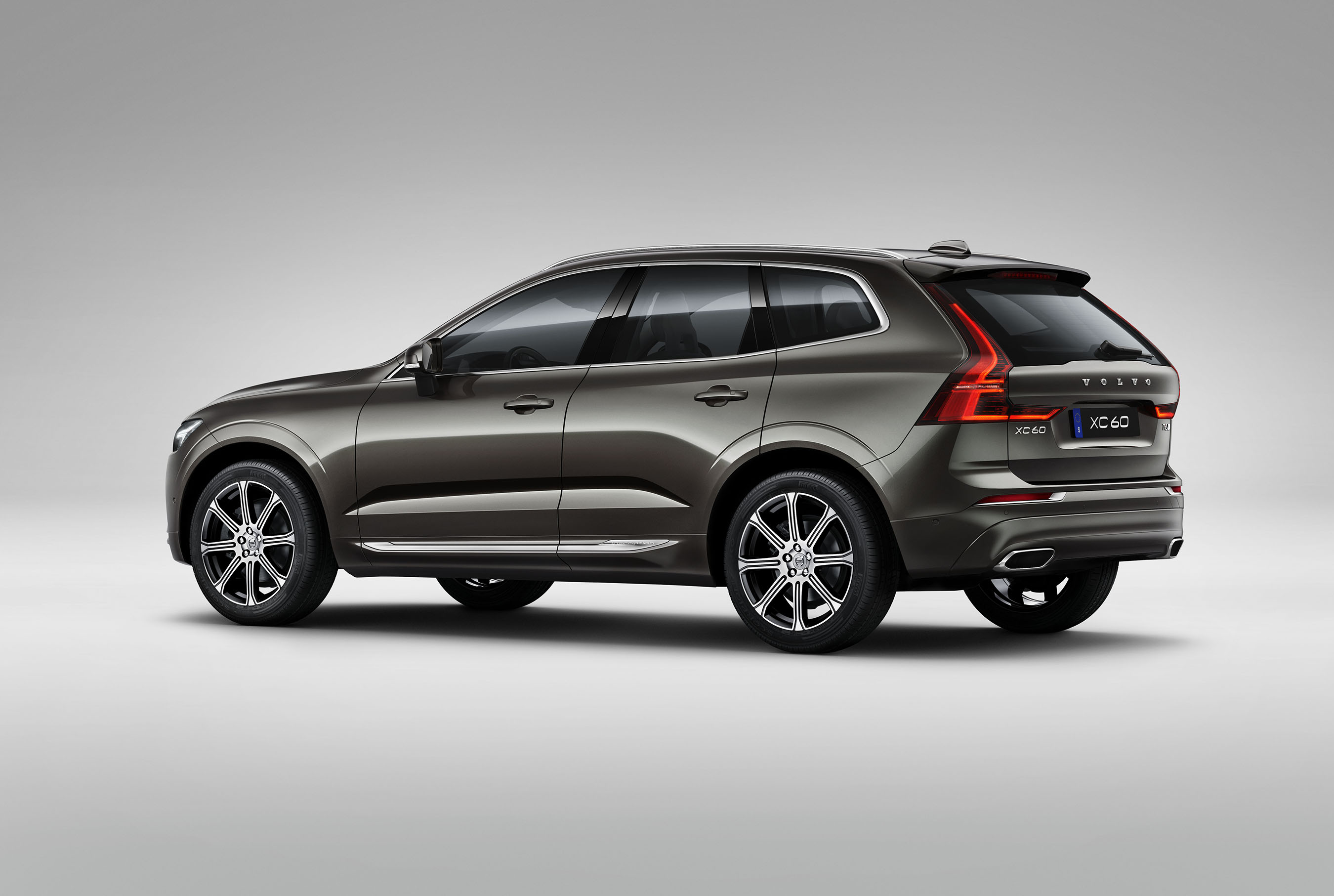 volvo cars reveals new xc60 premium suv. Black Bedroom Furniture Sets. Home Design Ideas