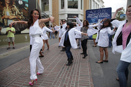 Karina Smirnoff dances in Avon Flash Mob to launch ANEW Clinical Pro Line Eraser