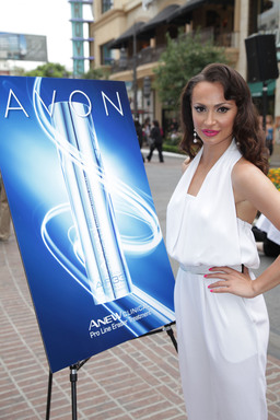 Karina Smirnoff launches Avon skincare innovation ANEW Clinical Pro Line Eraser